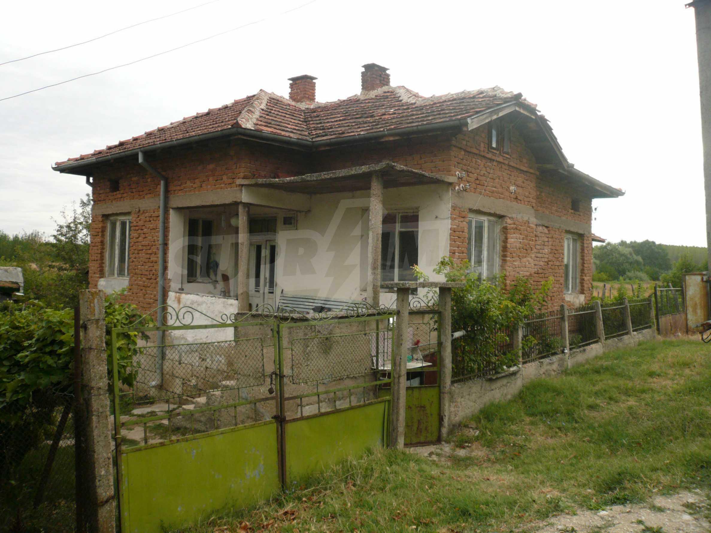Einfamilienhaus mit Hof in der Nähe der Donau