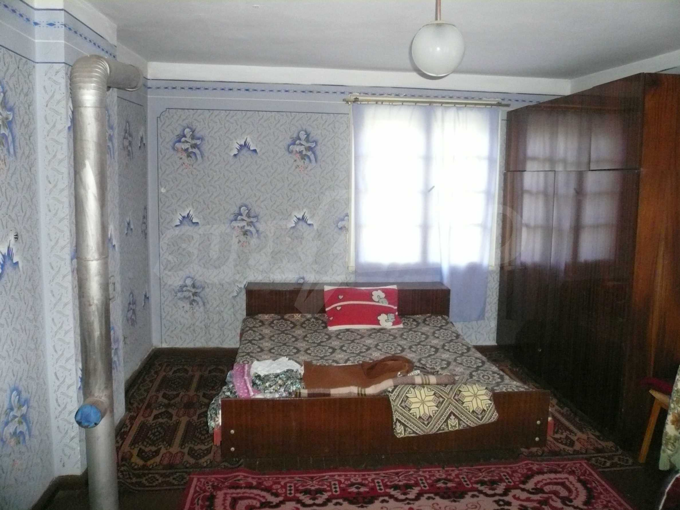 Solid house with garden and parking lot 23 km from Vidin 10
