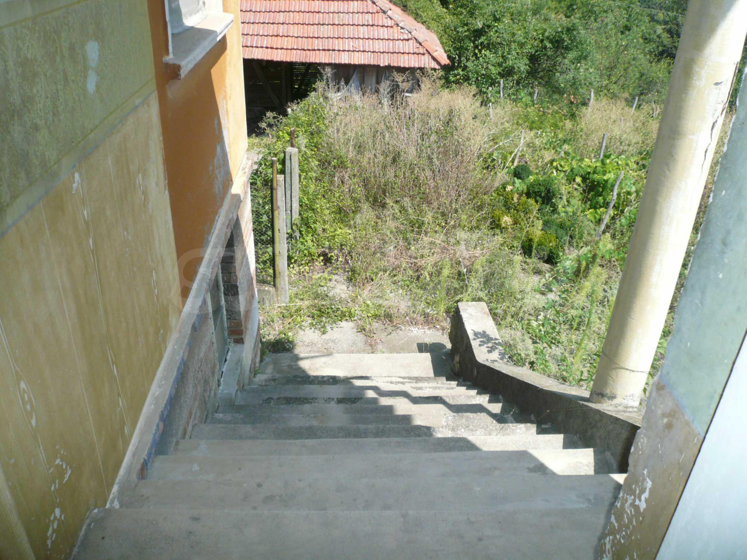 Ein solides zweistöckiges Haus mit Garten und Parkplatz 23 km von Vidin entfernt 14