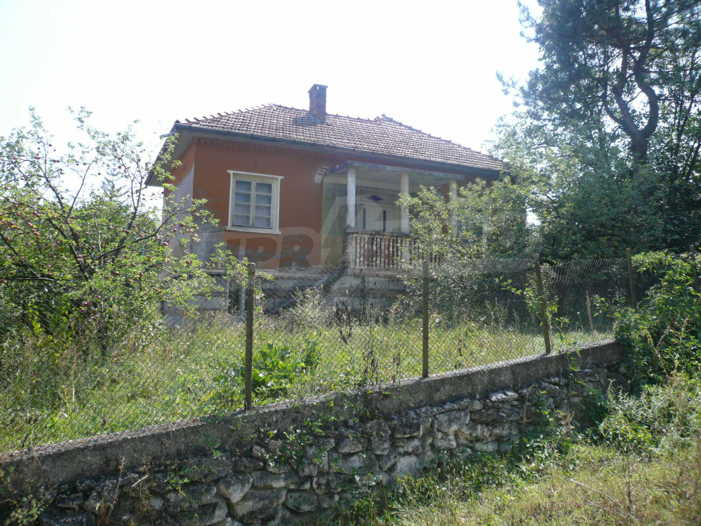 Solid house with garden and parking lot 23 km from Vidin 1
