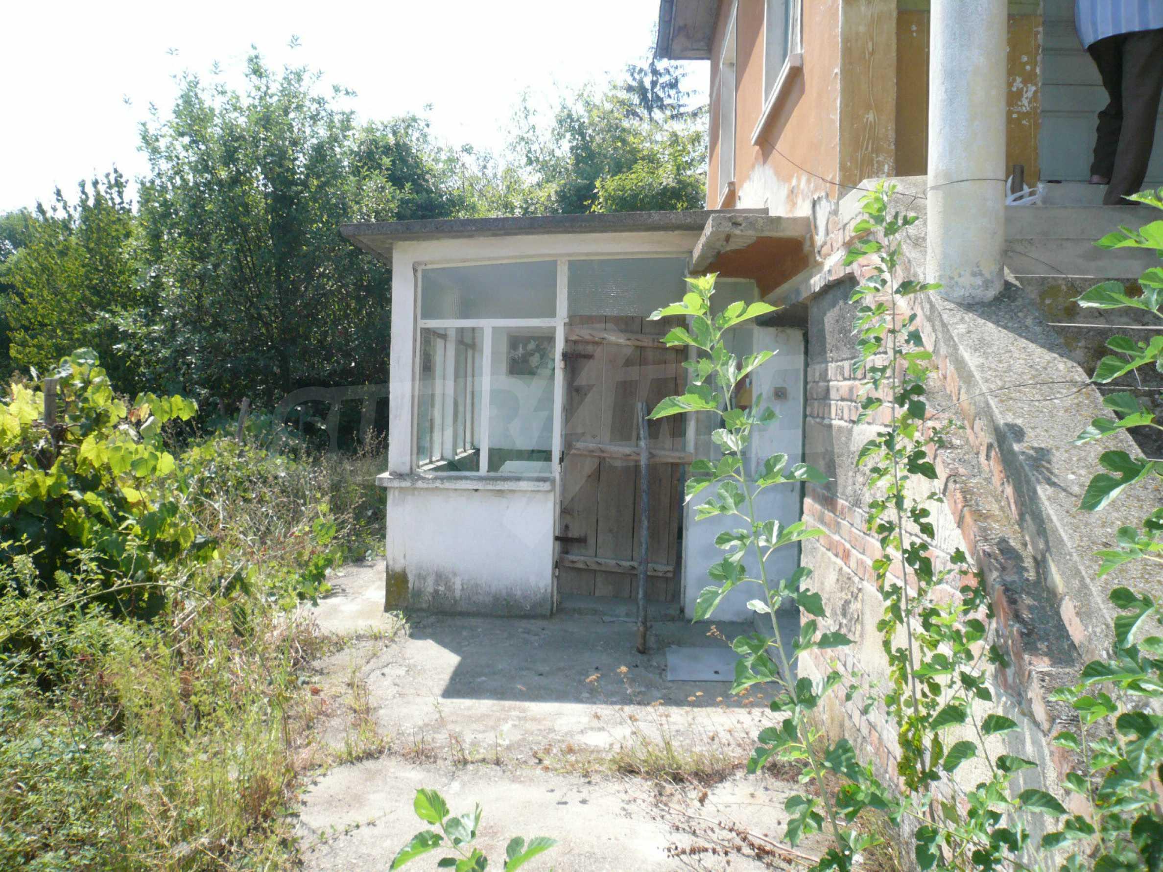 Ein solides zweistöckiges Haus mit Garten und Parkplatz 23 km von Vidin entfernt 4