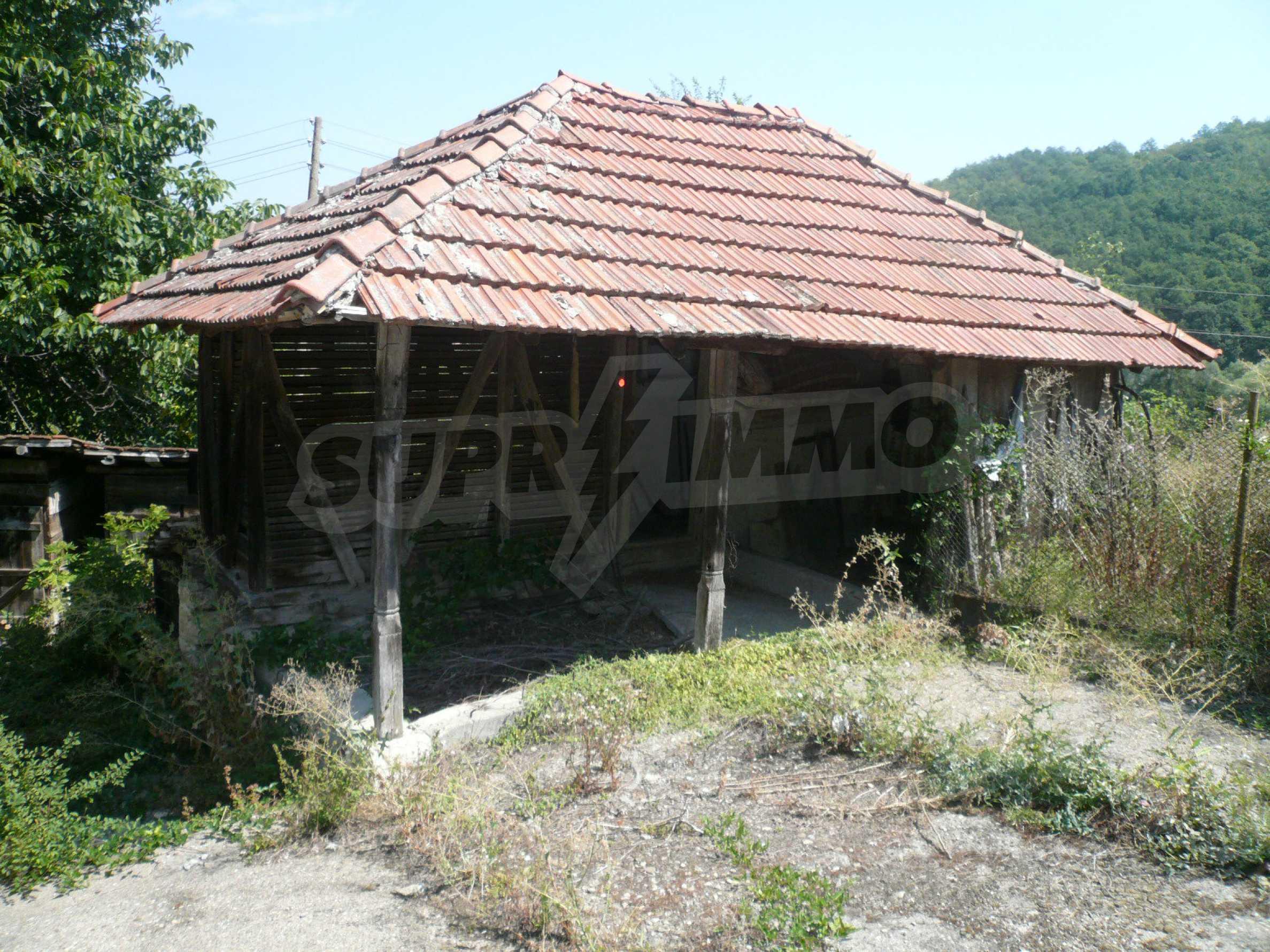 Ein solides zweistöckiges Haus mit Garten und Parkplatz 23 km von Vidin entfernt 6