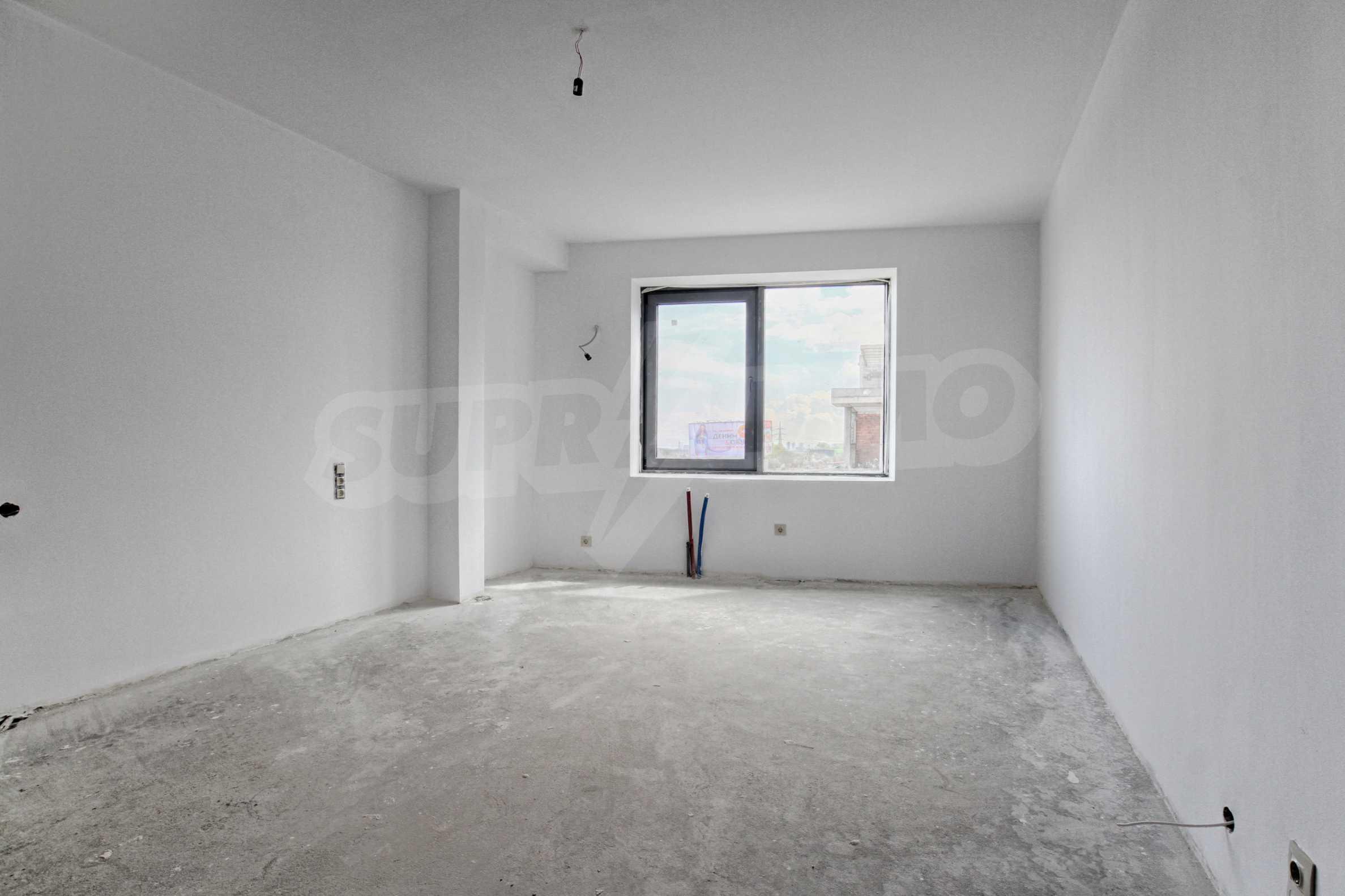 Просторен и слънчев апартамент до бъдеща метростанция на Околовръстен път 6