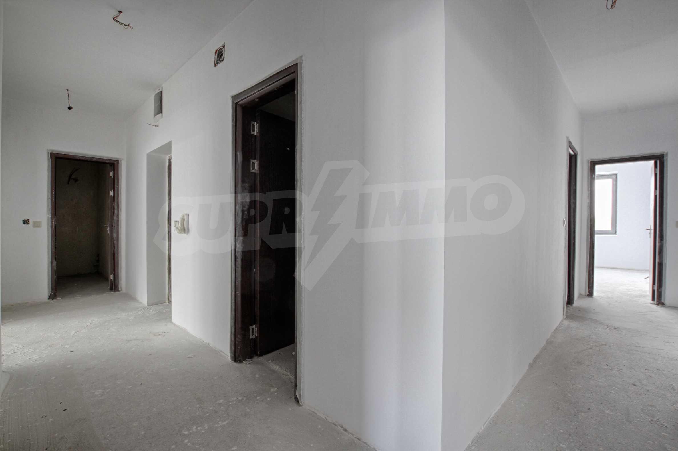 Многостаен апартамент в атрактивна сграда на Околовръстен път 3