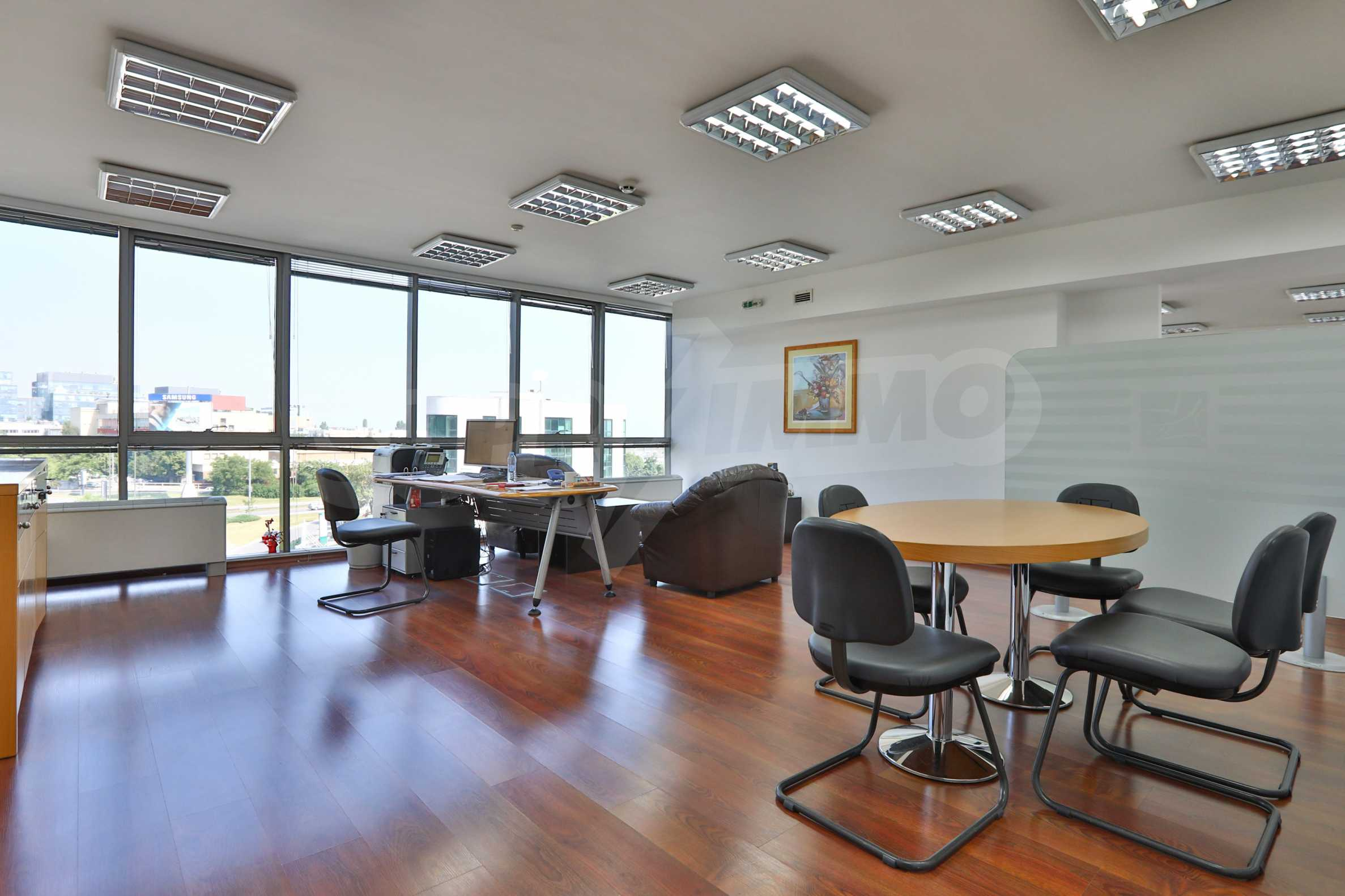 Голям офис в луксозна сграда на бул. Цариградско шосе 32