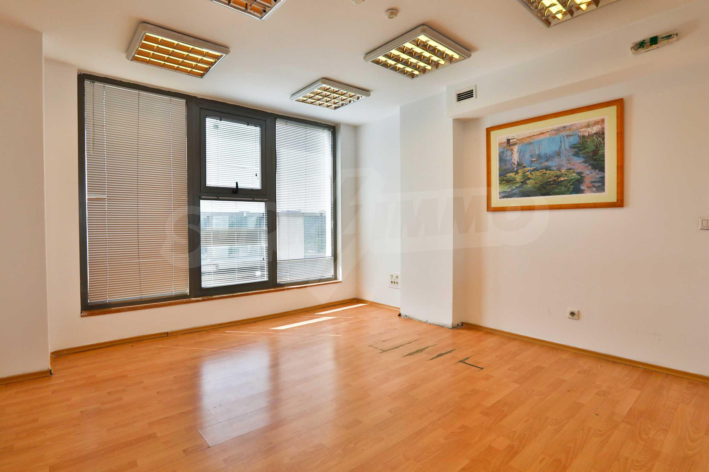 Площи тип open space в офис зоната на бул. Цариградско шосе 9