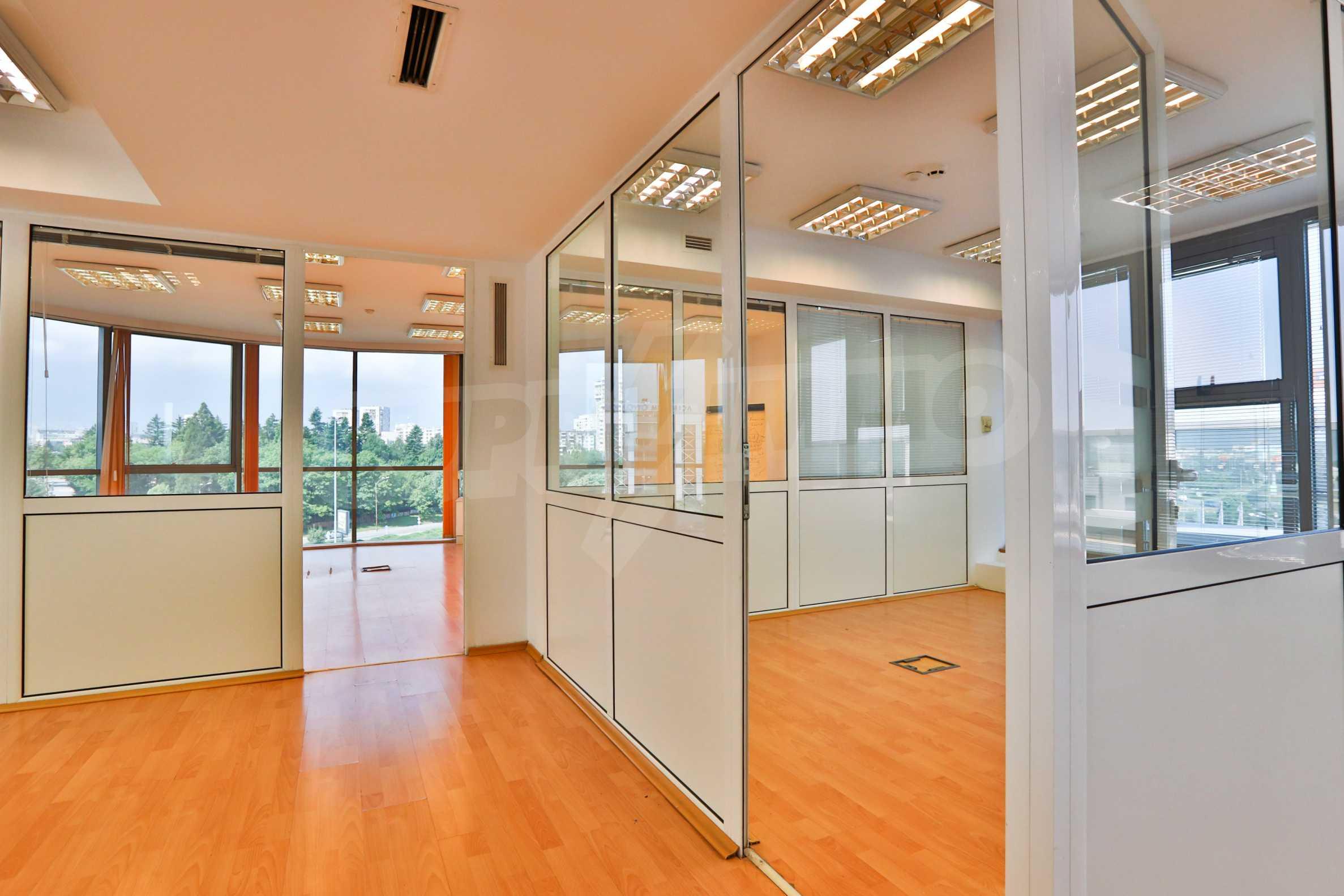 Площи тип open space в офис зоната на бул. Цариградско шосе 10