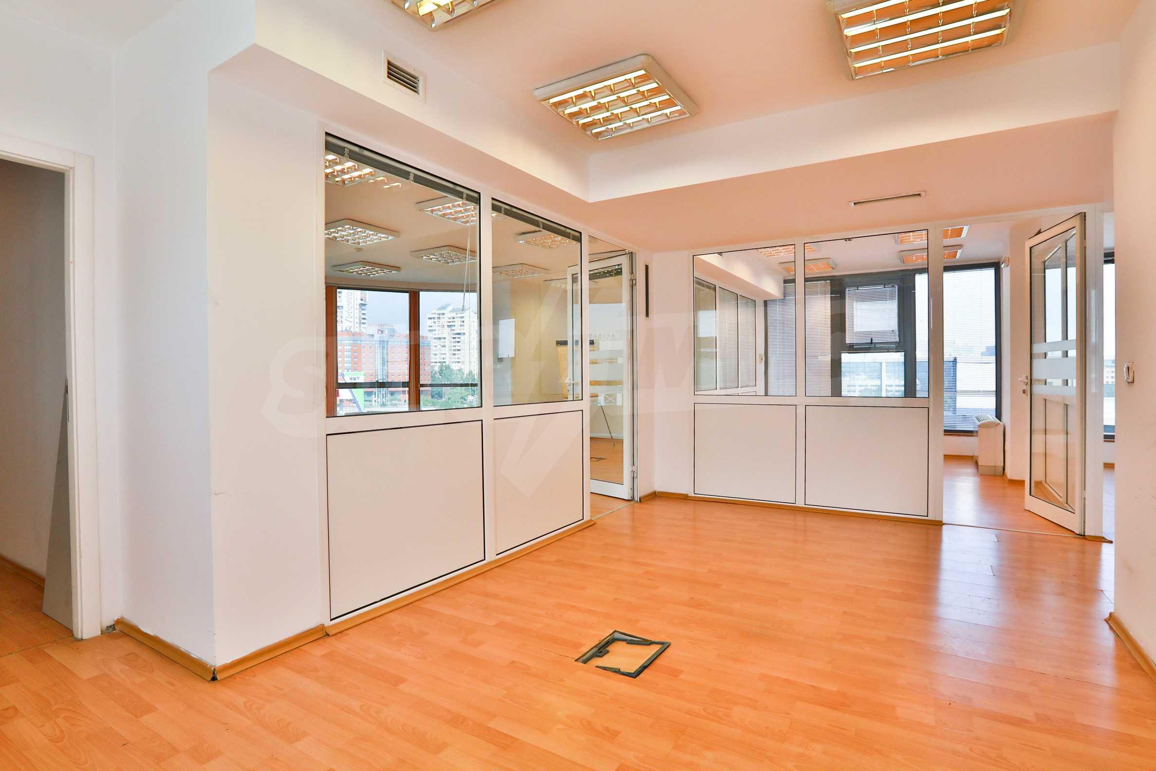 Площи тип open space в офис зоната на бул. Цариградско шосе 11