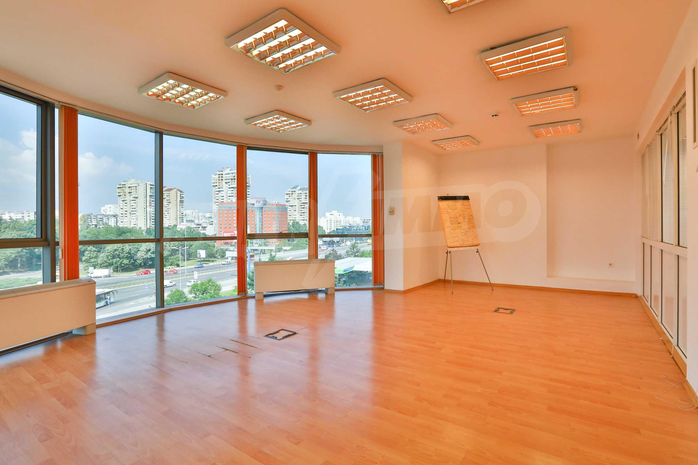 Площи тип open space в офис зоната на бул. Цариградско шосе 12