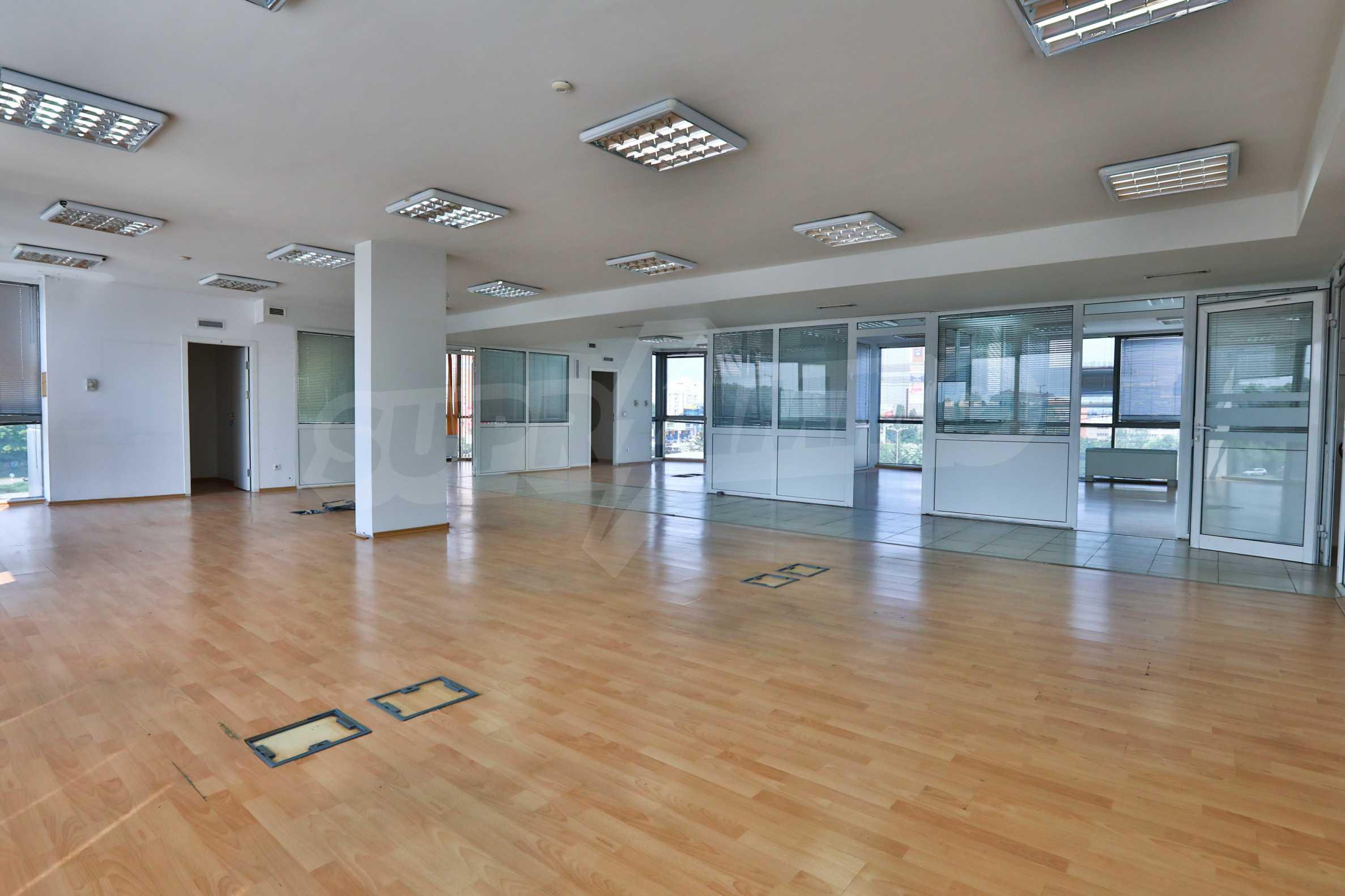 Площи тип open space в офис зоната на бул. Цариградско шосе 23