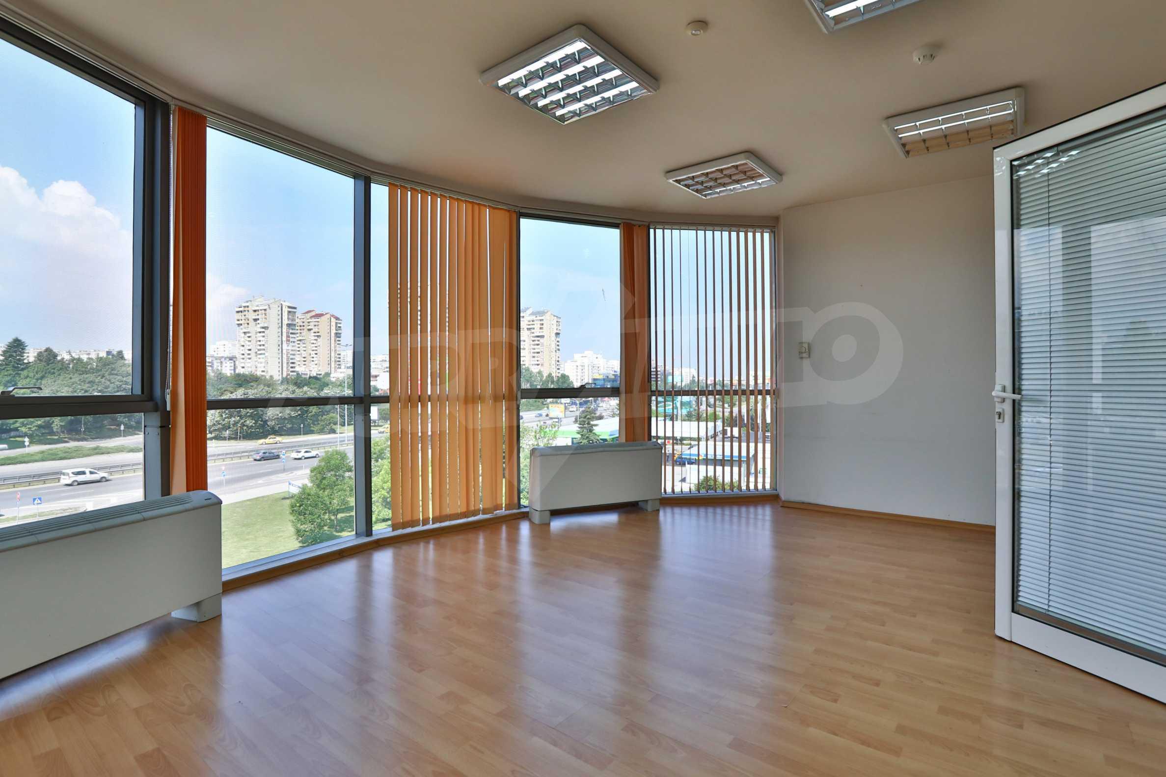 Площи тип open space в офис зоната на бул. Цариградско шосе 25