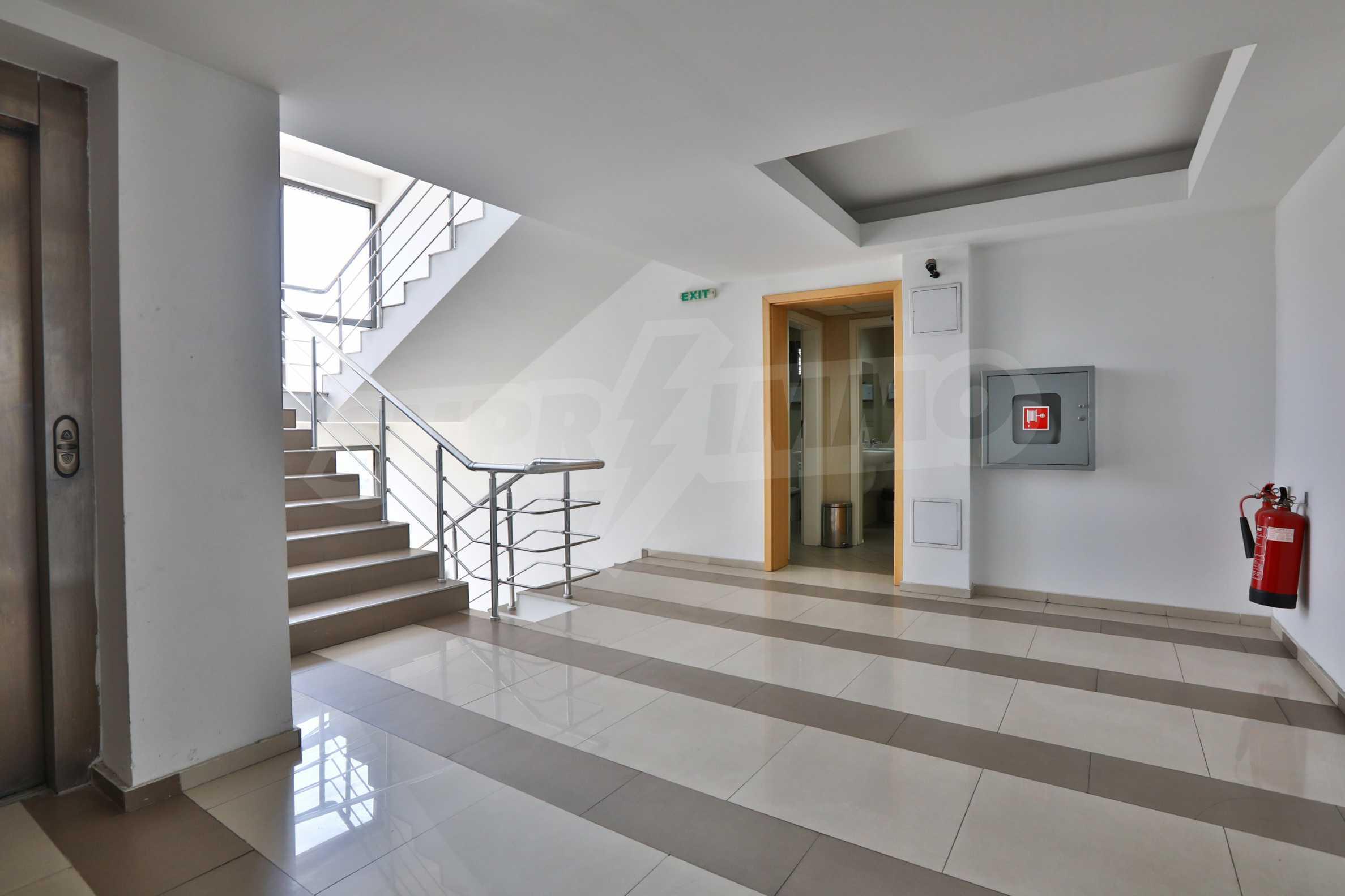 Площи тип open space в офис зоната на бул. Цариградско шосе 26
