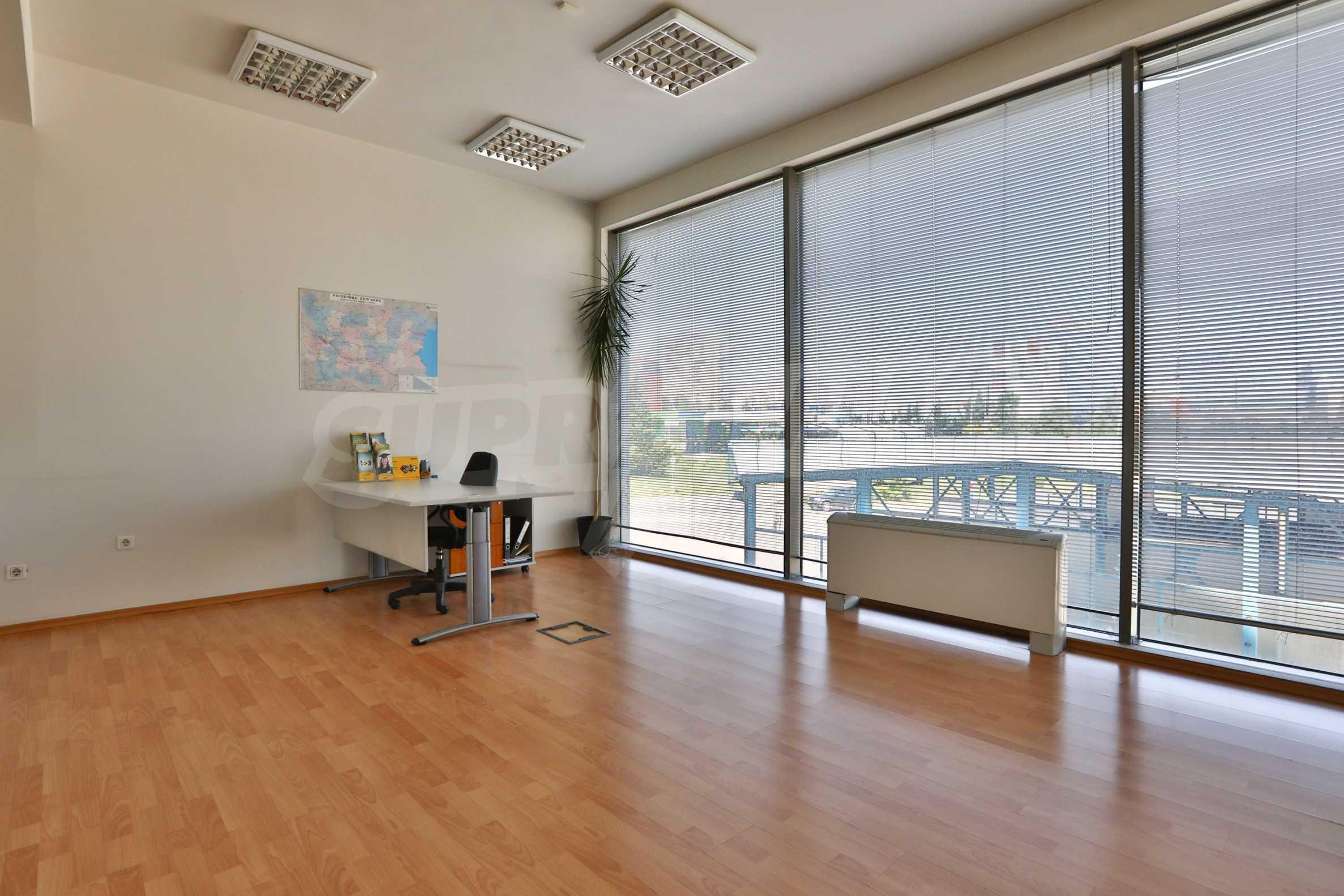 Площи тип open space в офис зоната на бул. Цариградско шосе 34