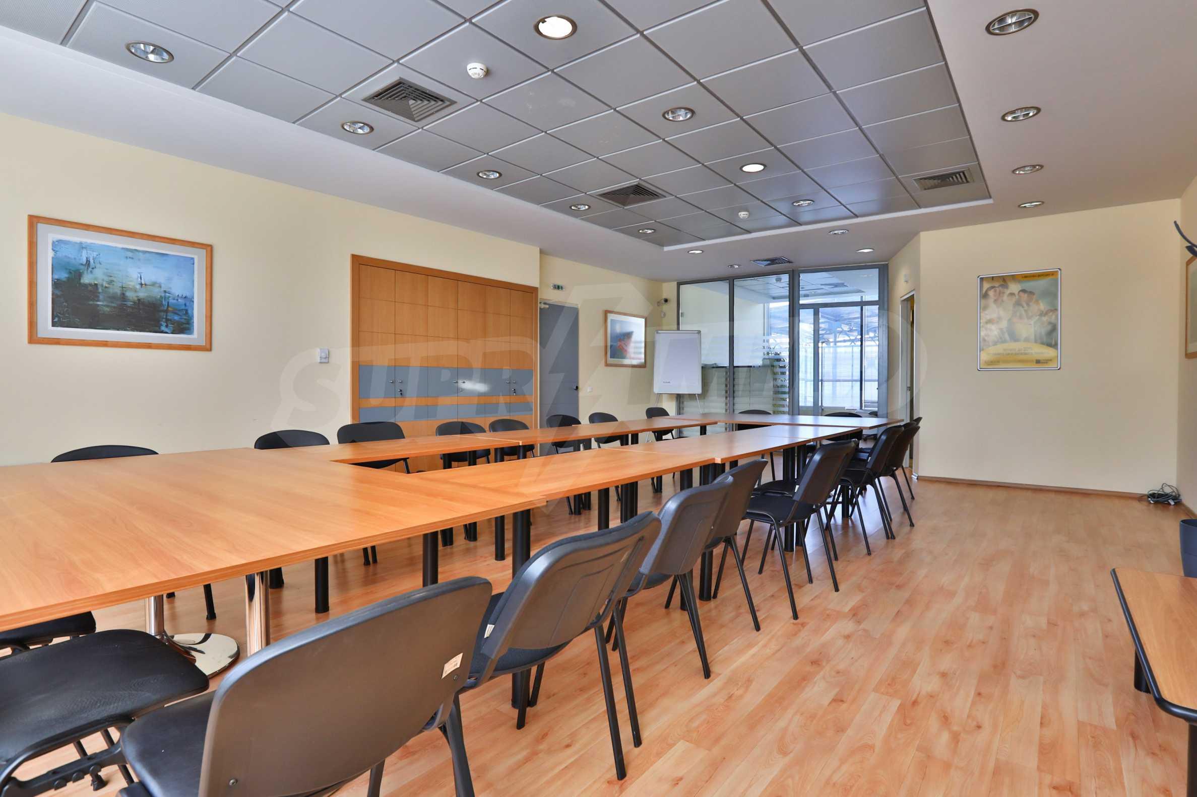 Офис в бизнес сграда висок клас на бул. Цариградско шосе 4