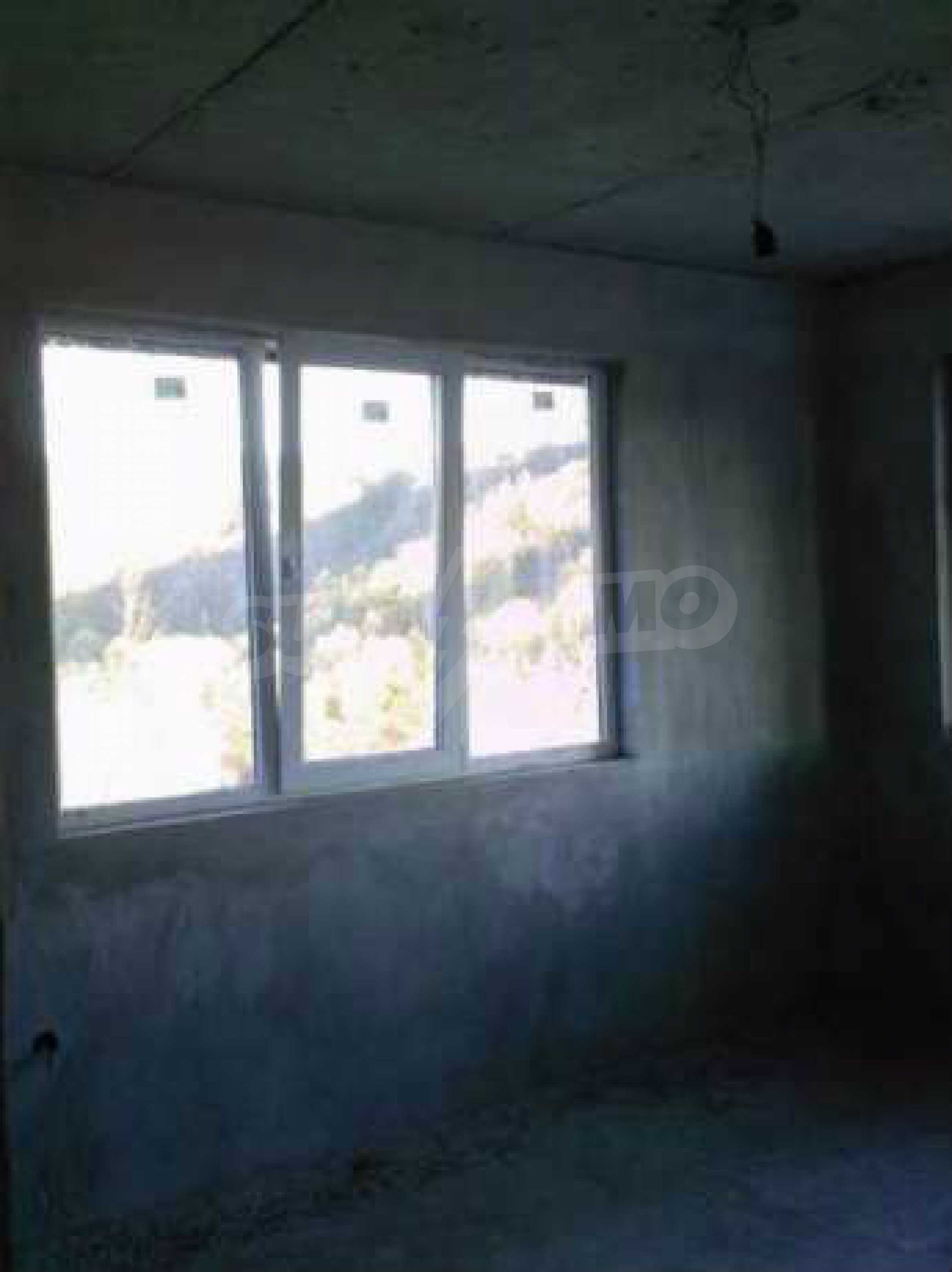 Новопостроена двуетажна къща в квартал на град Габрово 2