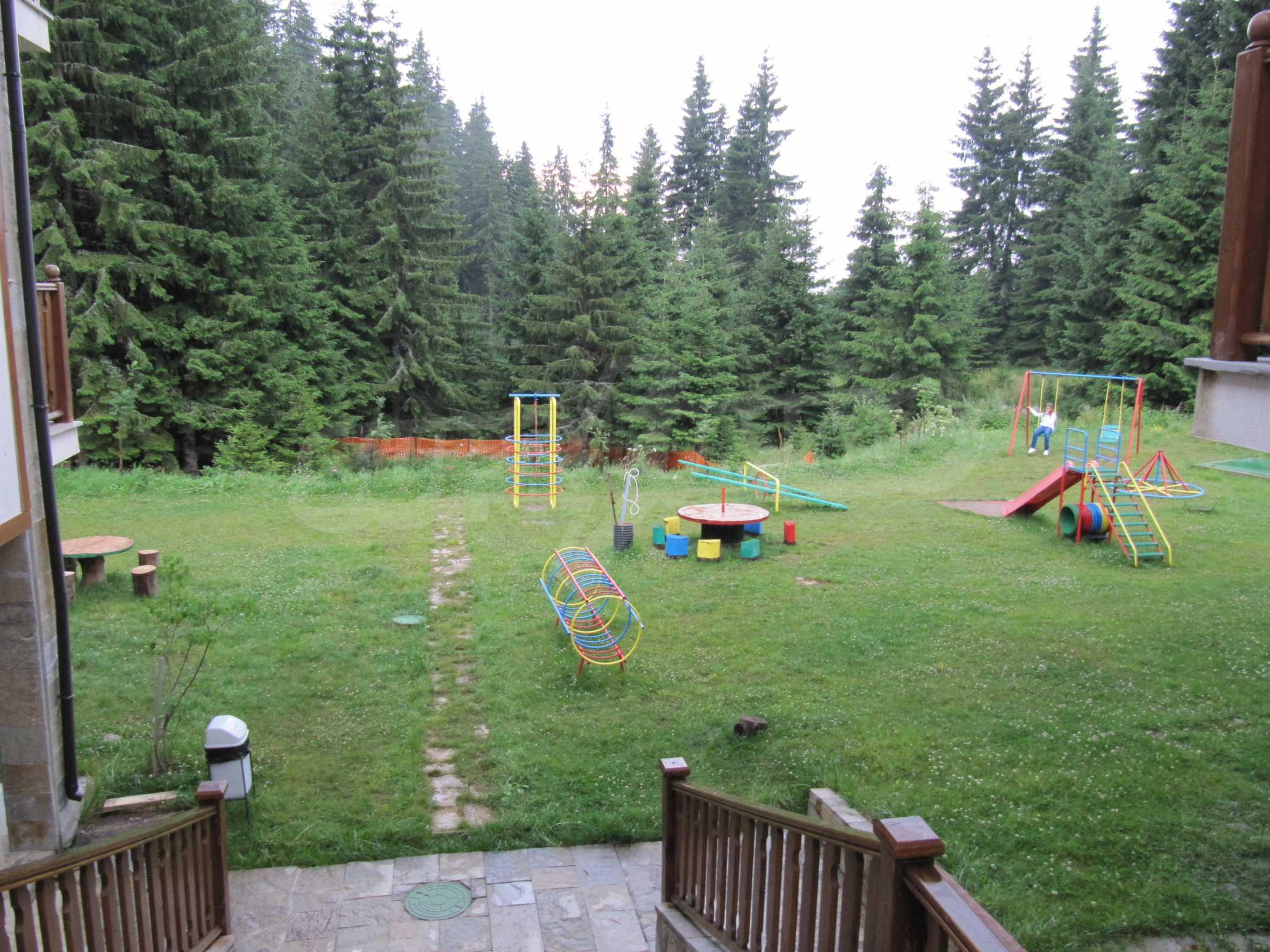 Raykovski Lodge 24