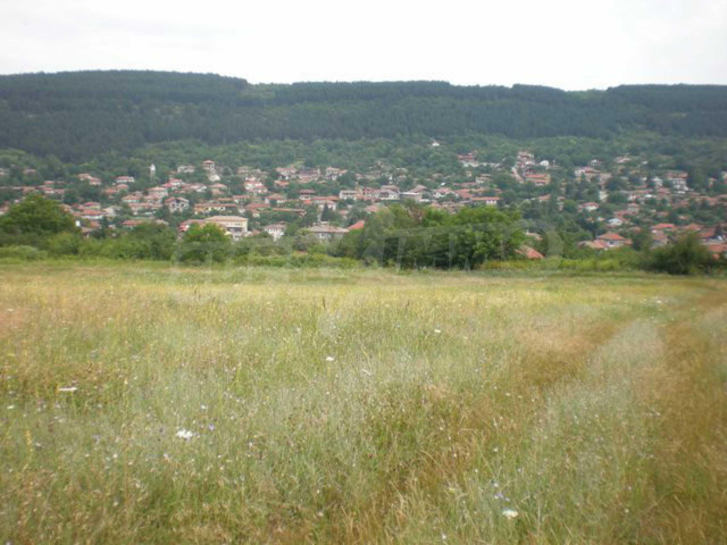 Парцели до регулация само на 3 км от Велико Търново  9