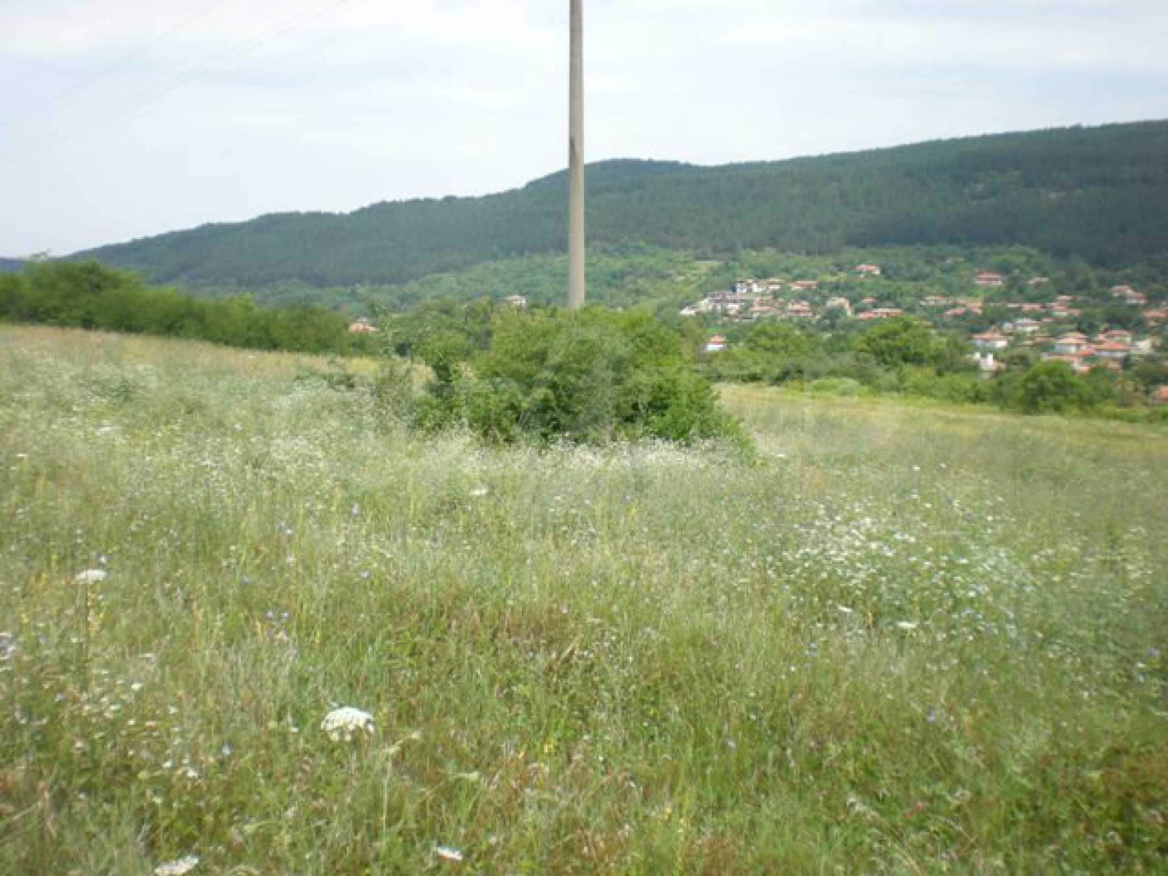Парцели до регулация само на 3 км от Велико Търново  16