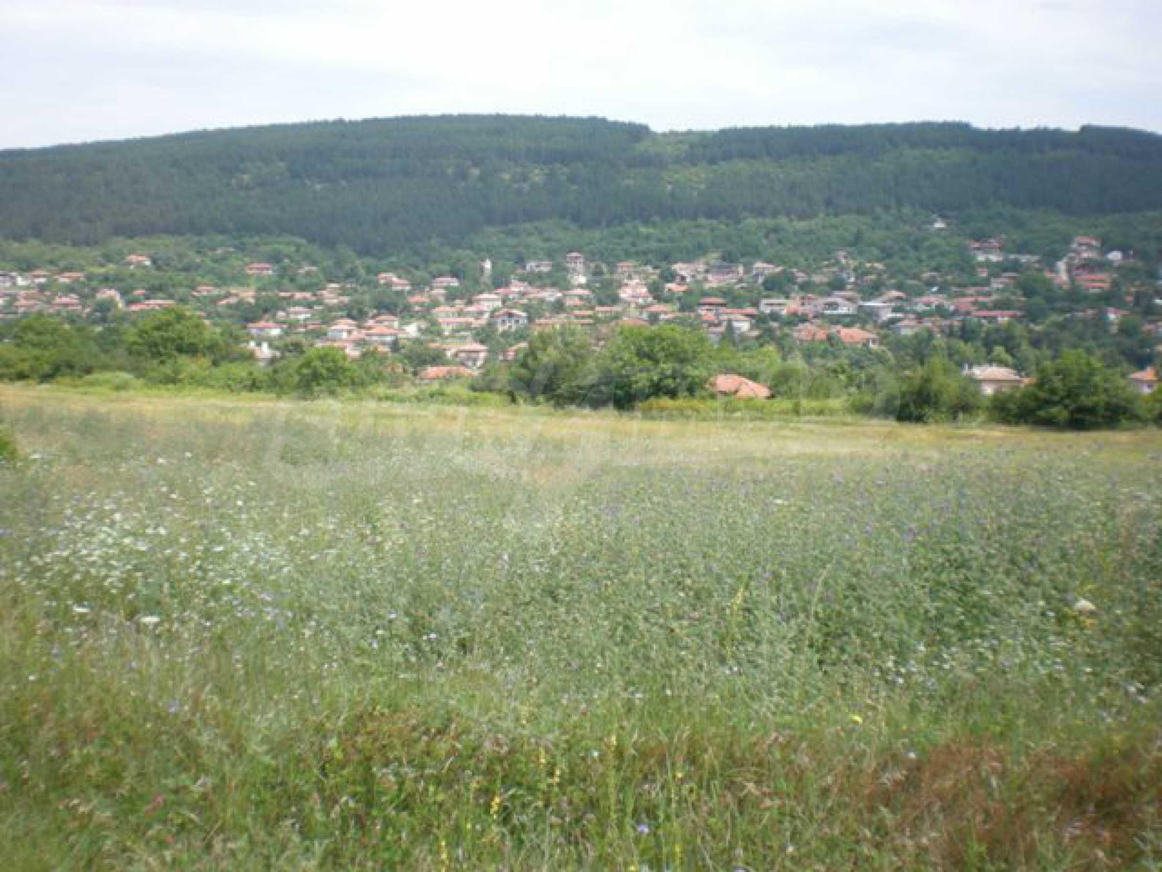 Парцели до регулация само на 3 км от Велико Търново  17