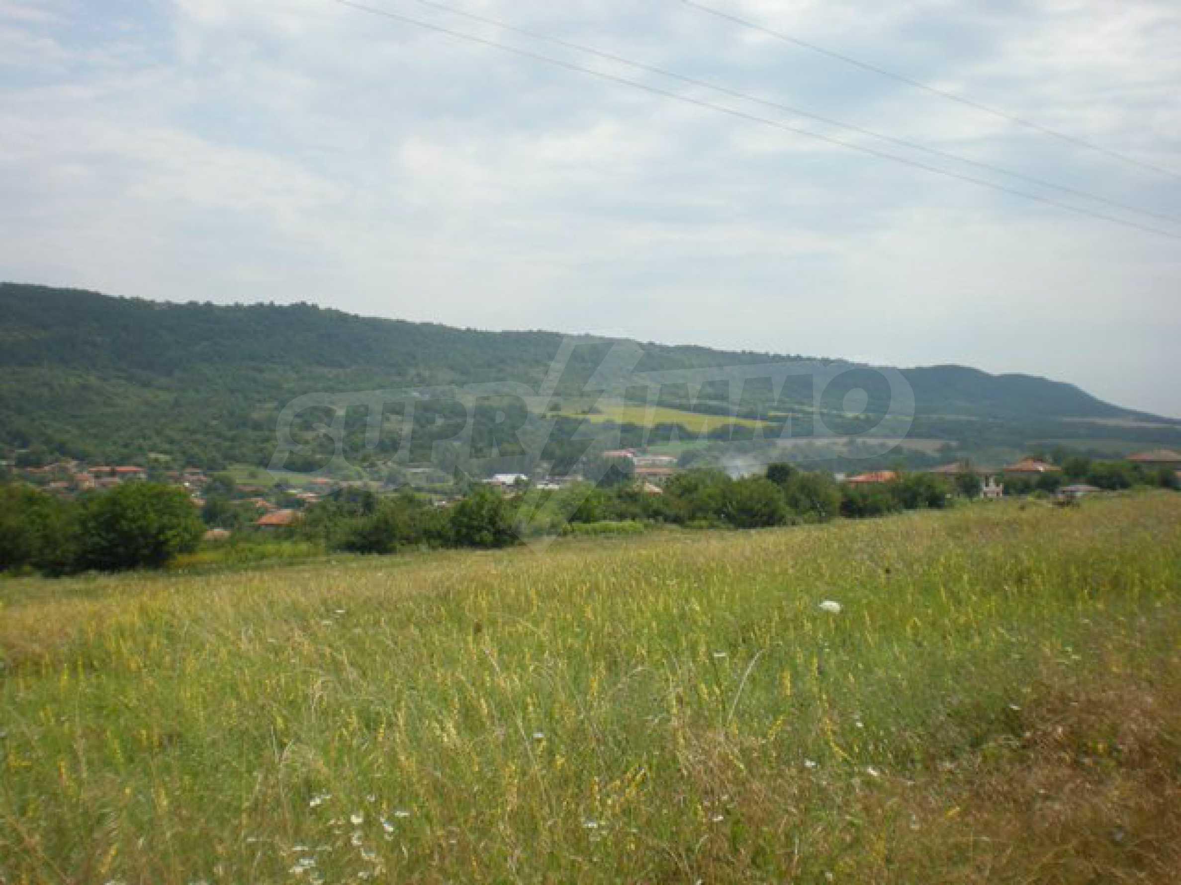 Парцели до регулация само на 3 км от Велико Търново  2