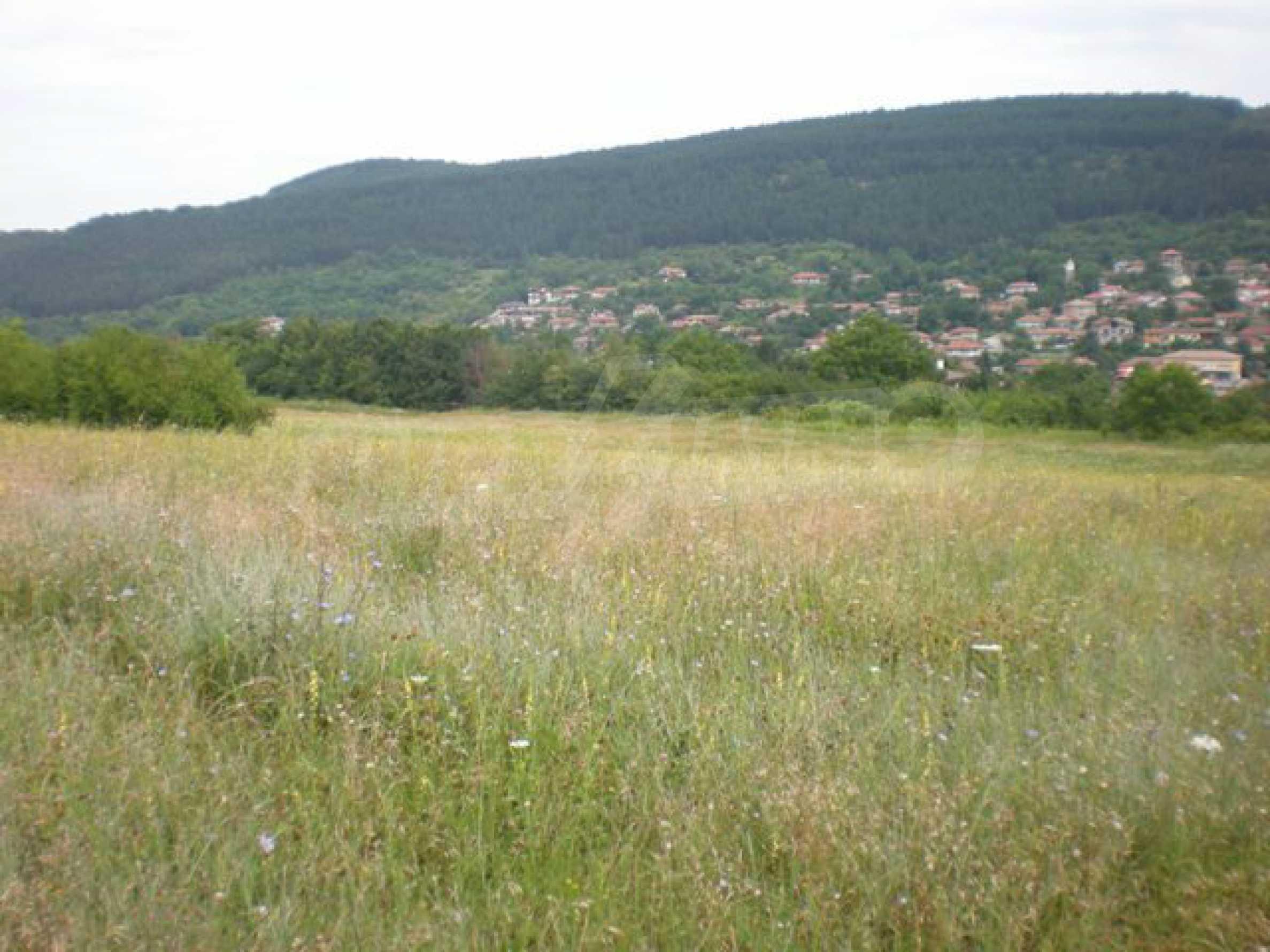 Парцели до регулация само на 3 км от Велико Търново  8
