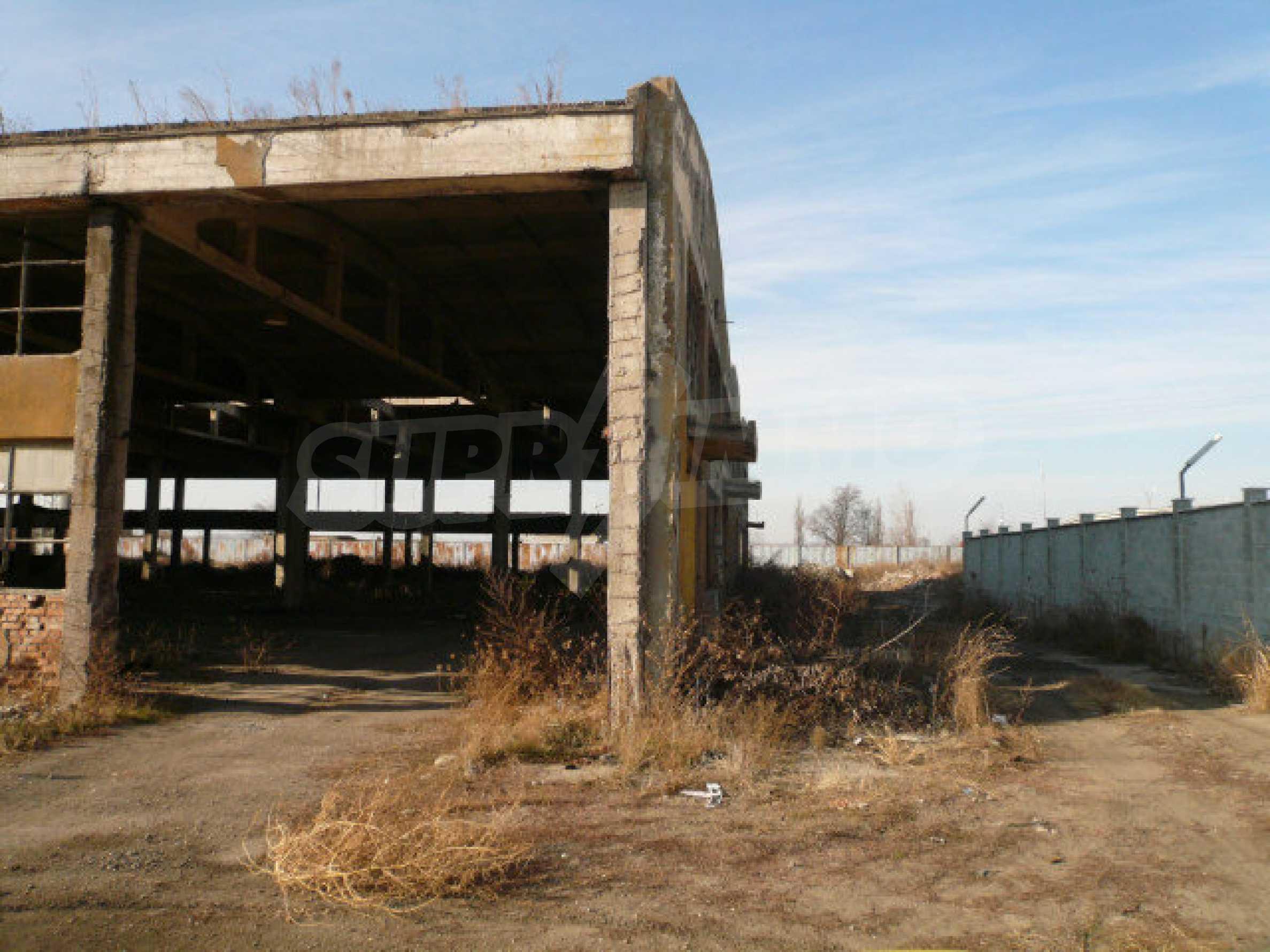 Большой участок в промышленной зоне г. Видин