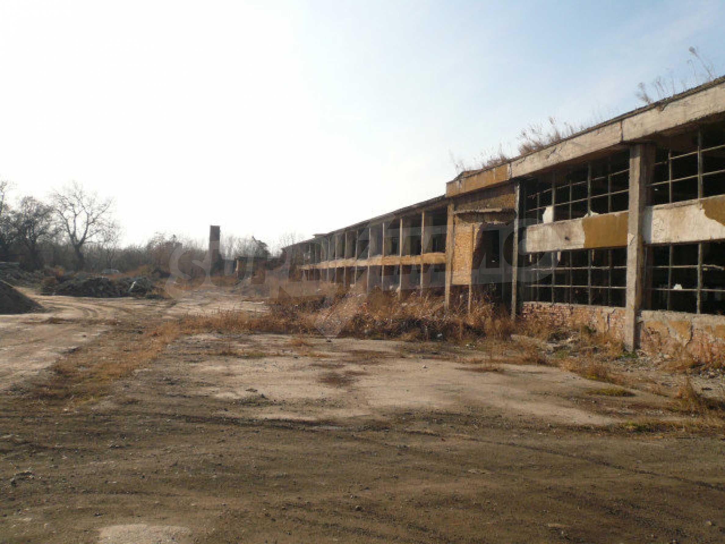 Большой участок в промышленной зоне г. Видин 1