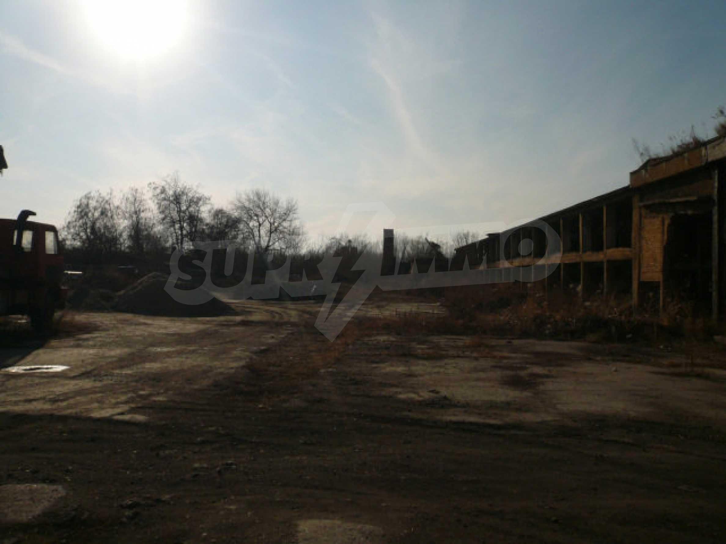 Большой участок в промышленной зоне г. Видин 2