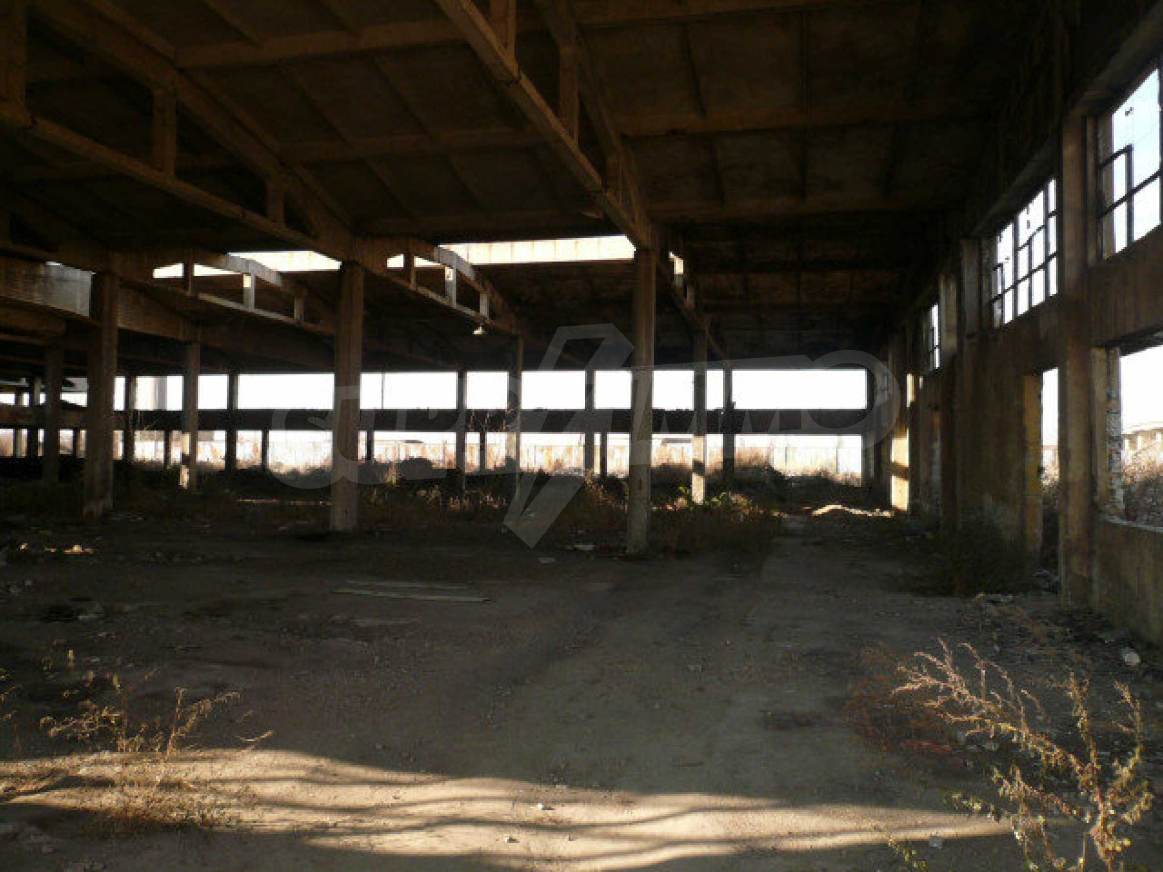 Большой участок в промышленной зоне г. Видин 3