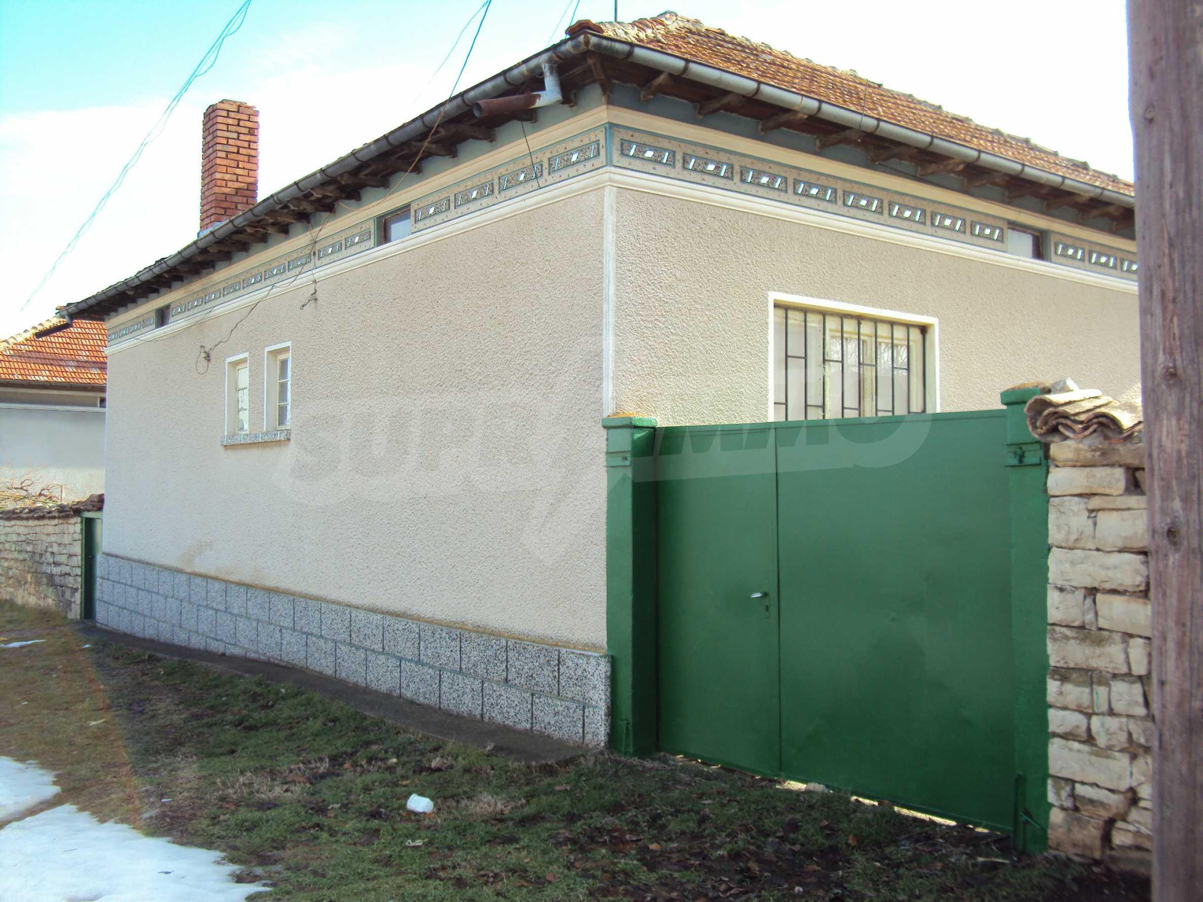 Einstöckiges Haus mit großem Garten in einem Dorf 30 km. von Veliko Tarnovo 34