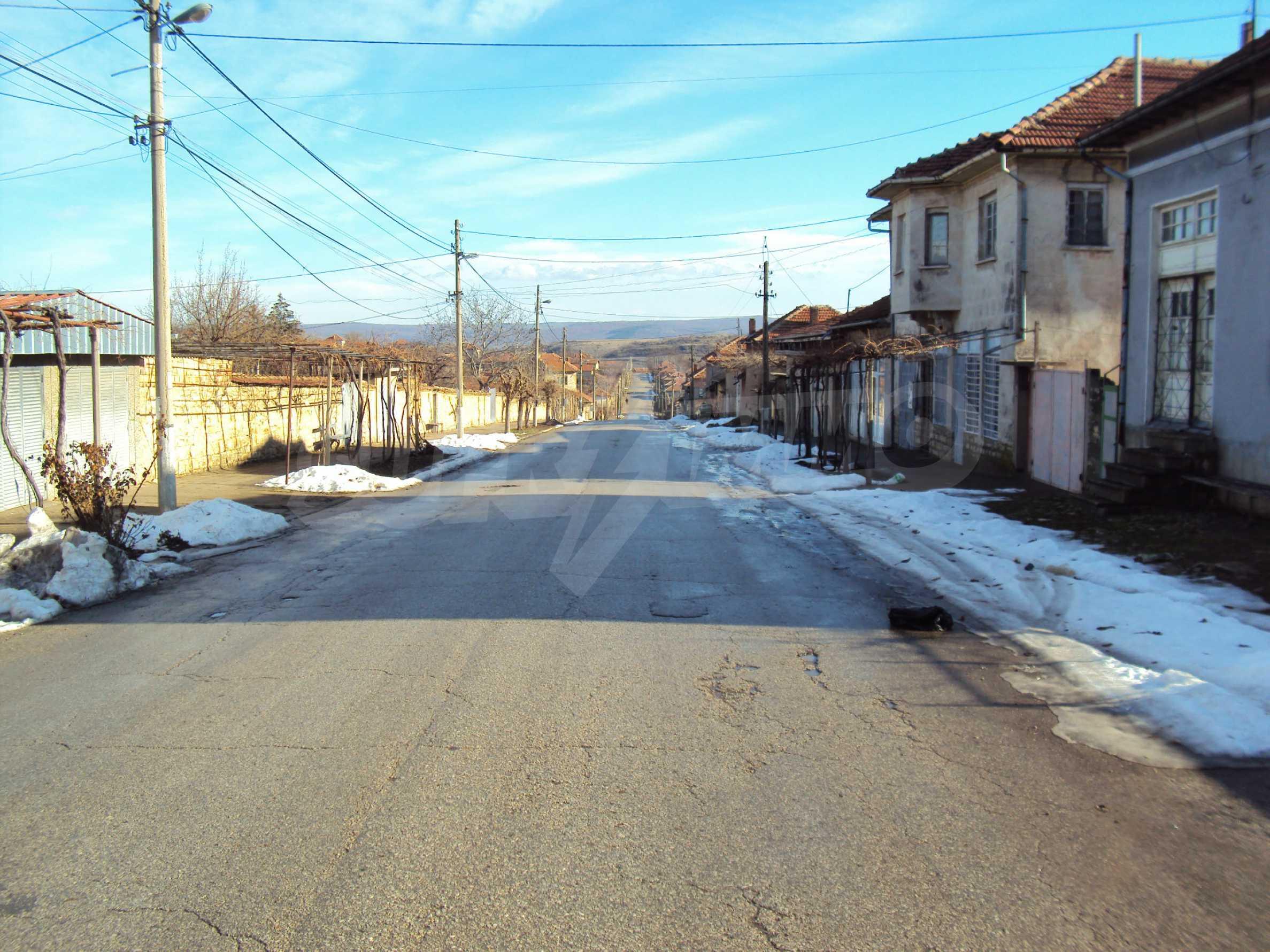 Einstöckiges Haus mit großem Garten in einem Dorf 30 km. von Veliko Tarnovo 4
