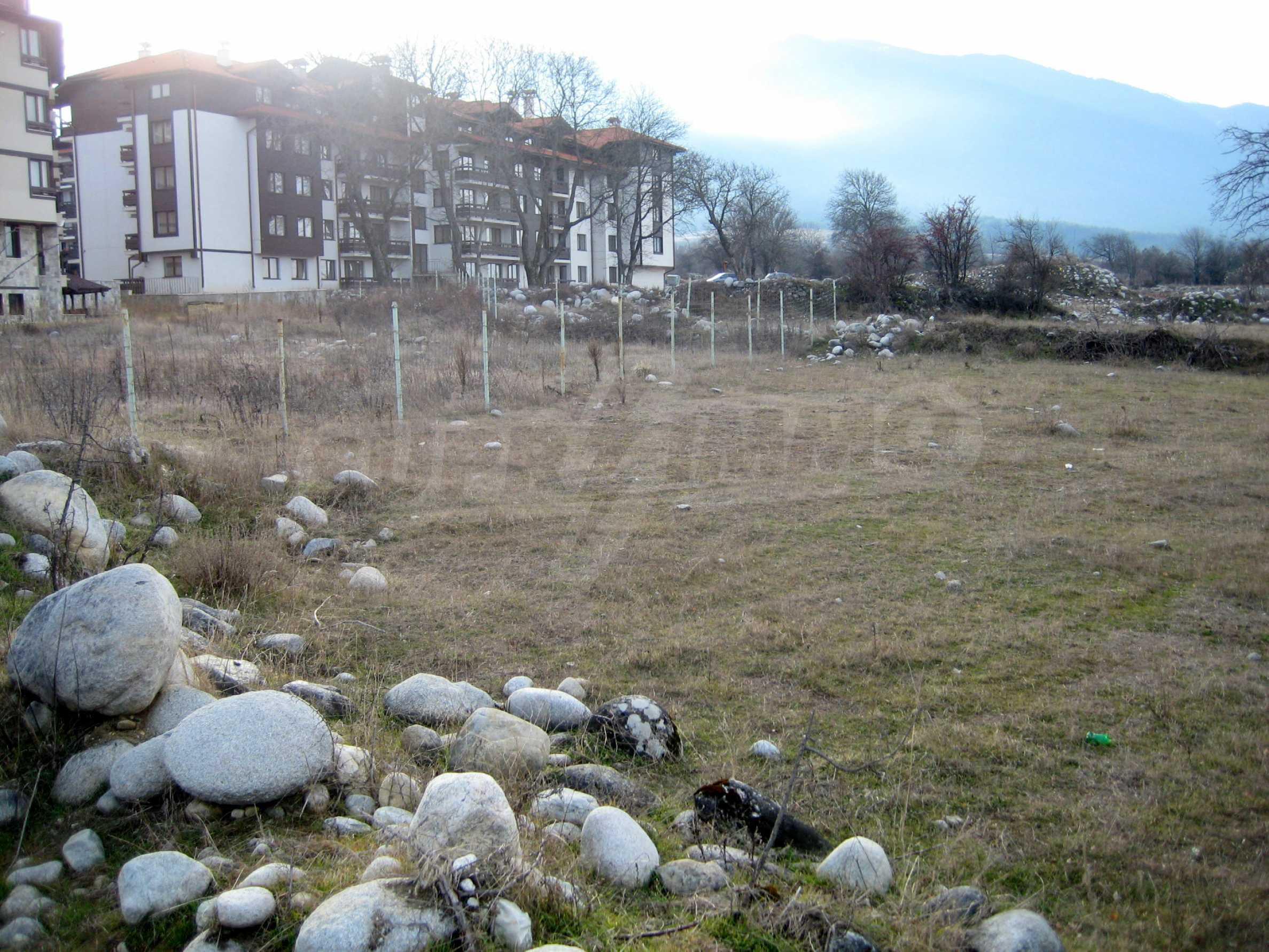 Attraktives Grundstück mit hervorragender Kommunikation in Bansko