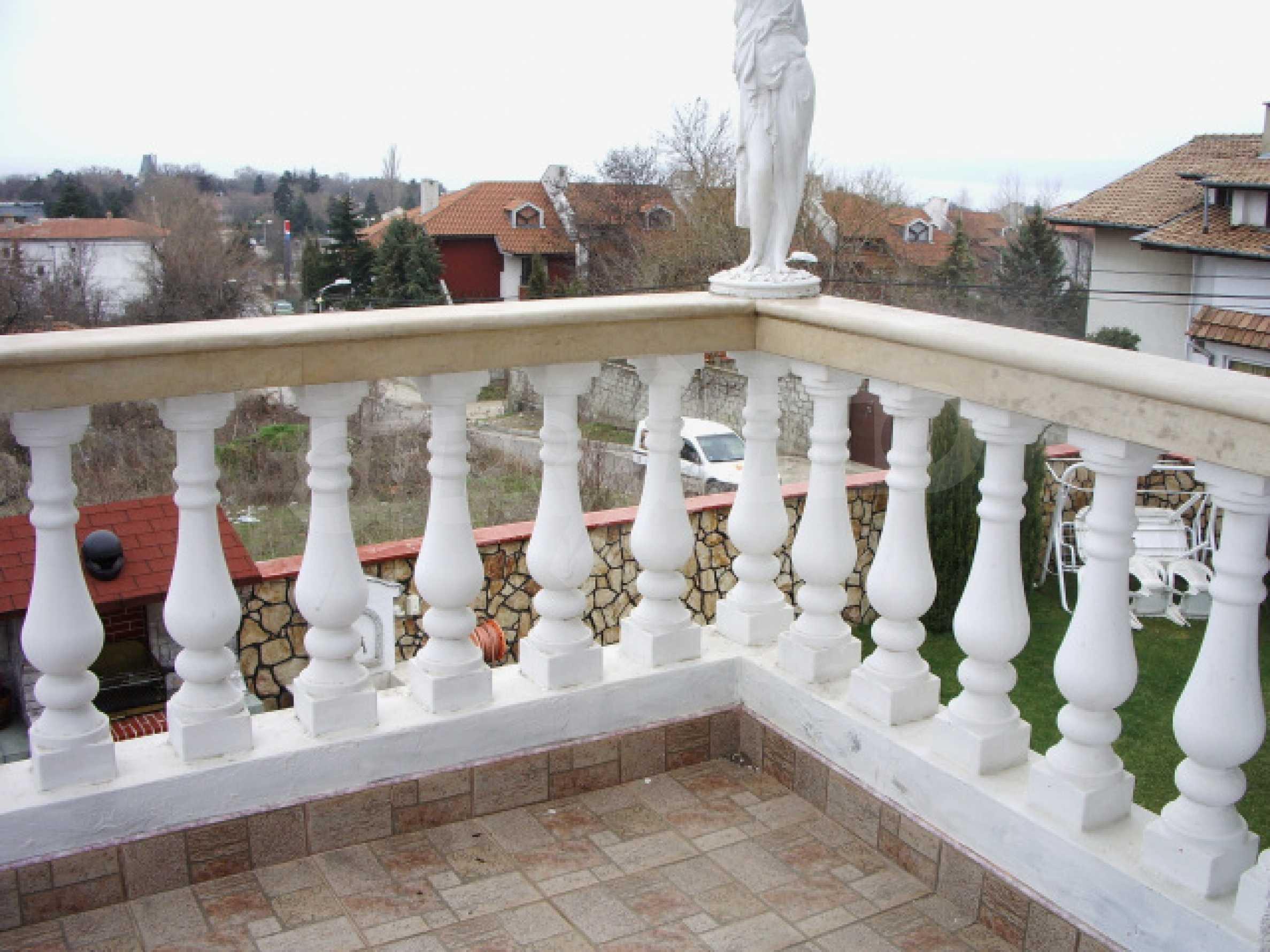 Елeгантна двуетажна къща близо до двореца на Евксиноград  23
