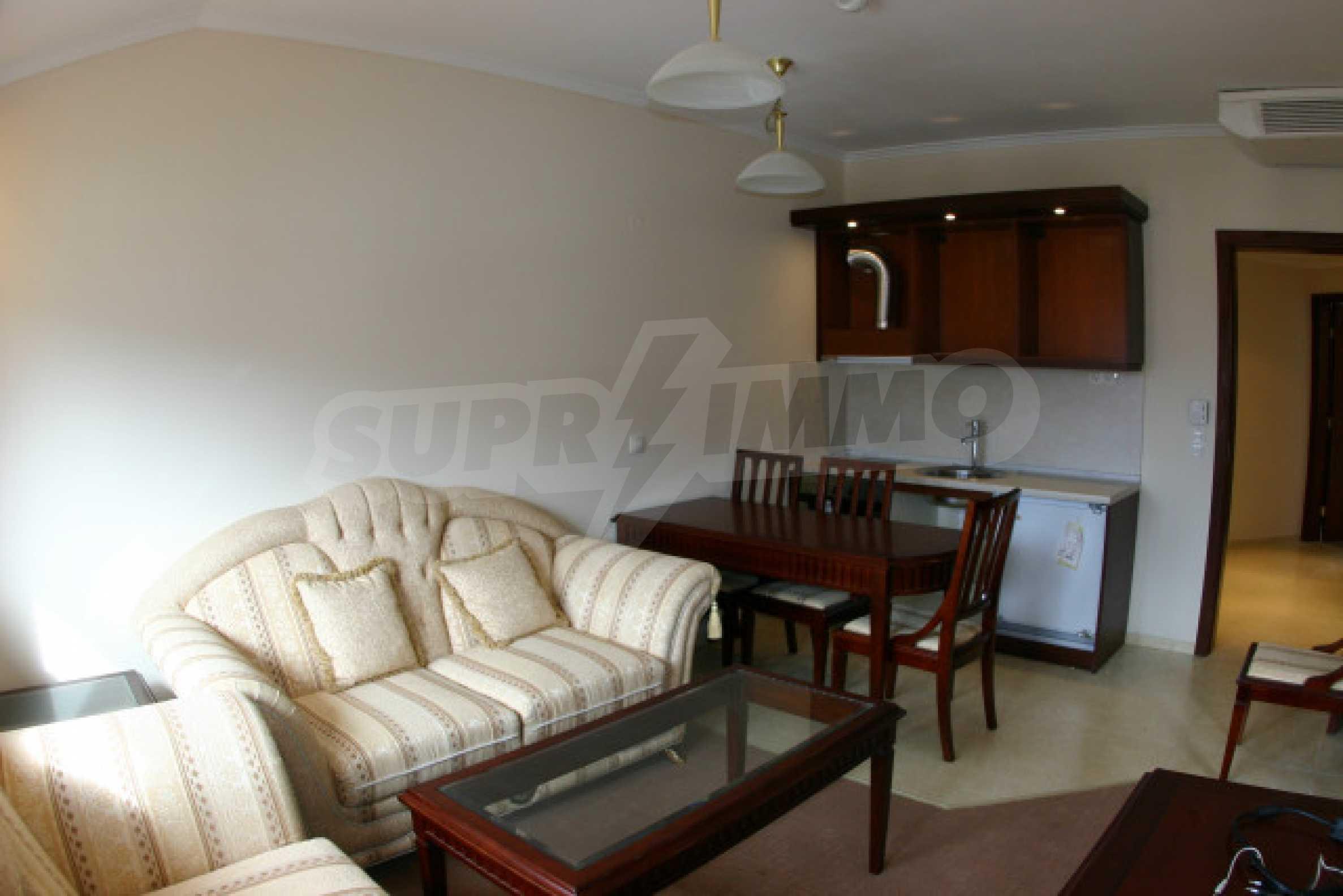 Двухкомнатный апартамент на продажу в Банско 1