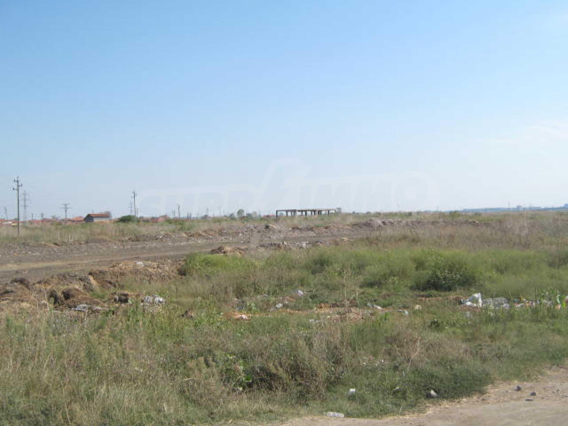 Huge plot, ideal for commercial development 1