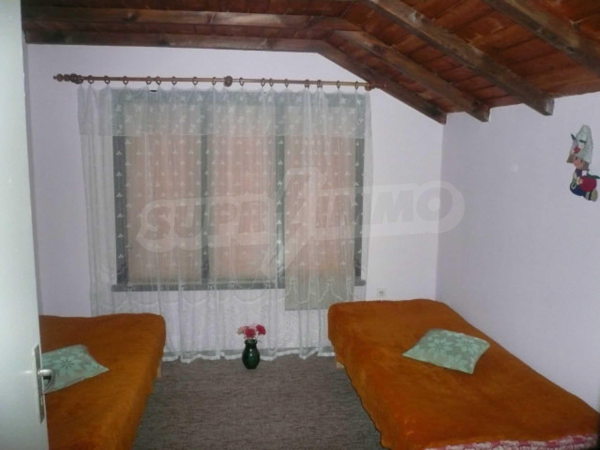 Dreistöckige Villa an der Küste von Donau 18