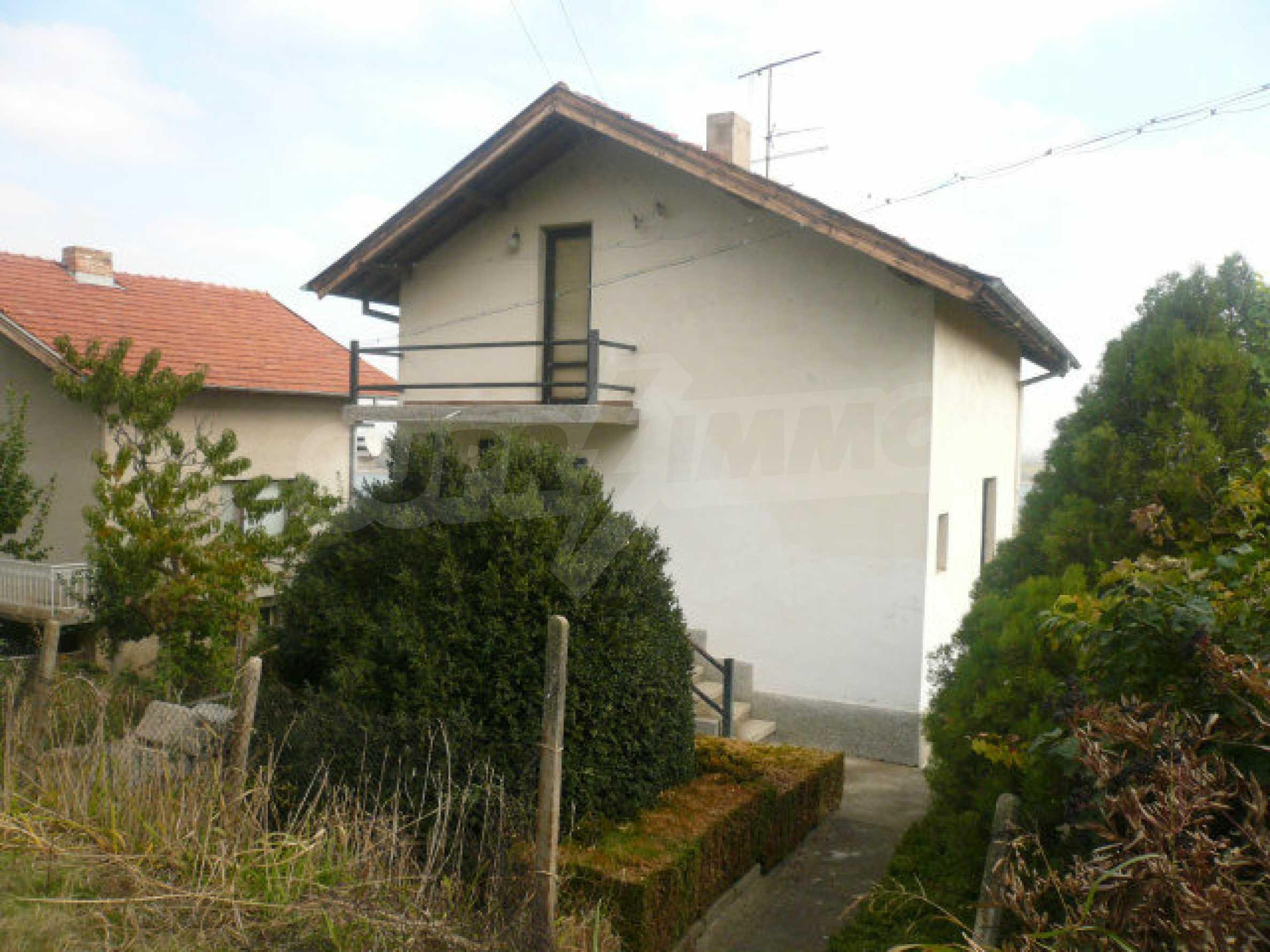 Dreistöckige Villa an der Küste von Donau 6