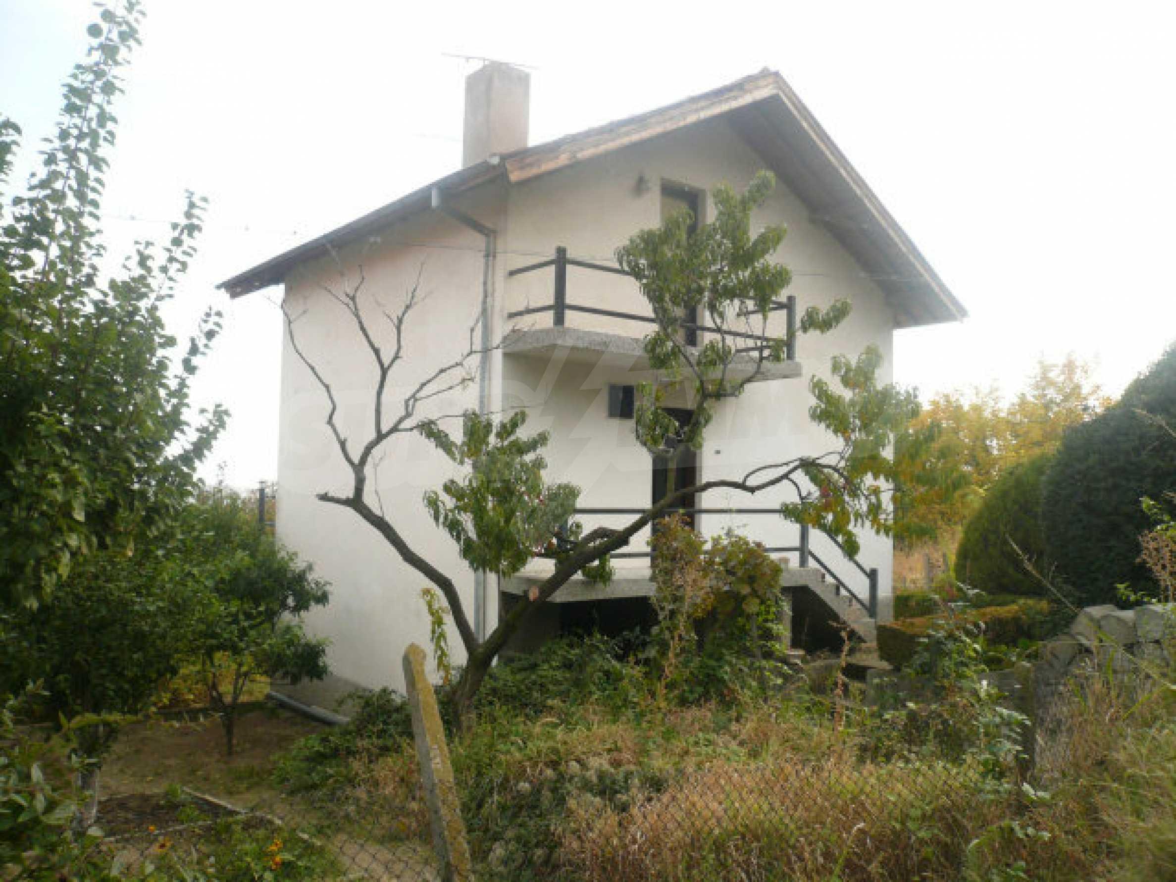 Dreistöckige Villa an der Küste von Donau 8
