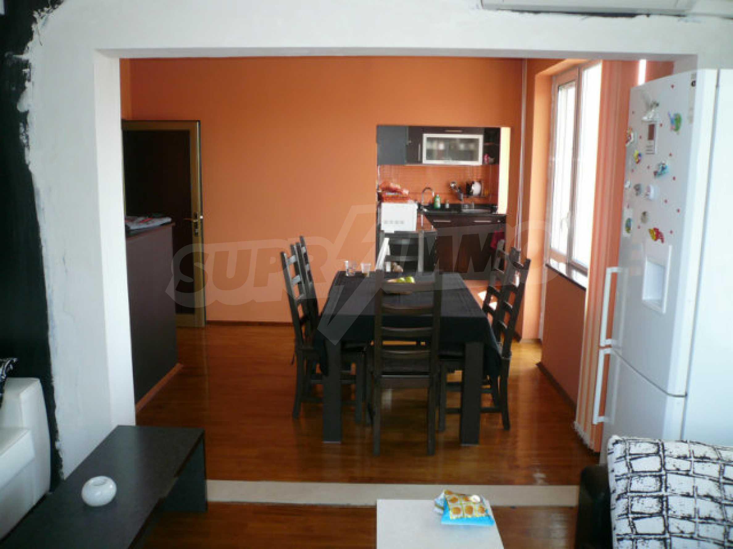 Schöne Wohnung mit zwei Schlafzimmern zum Verkauf im Zentrum von Vidin 1
