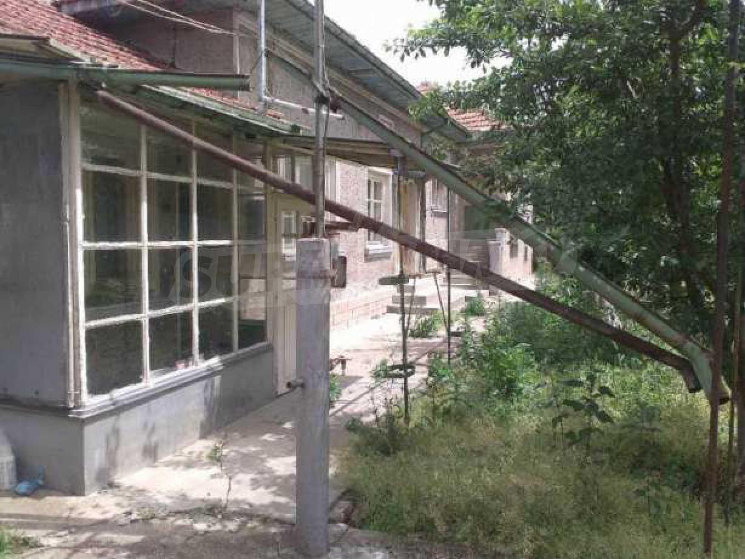 Двуетажна  къща в село на 12 км от Велико Търново 1