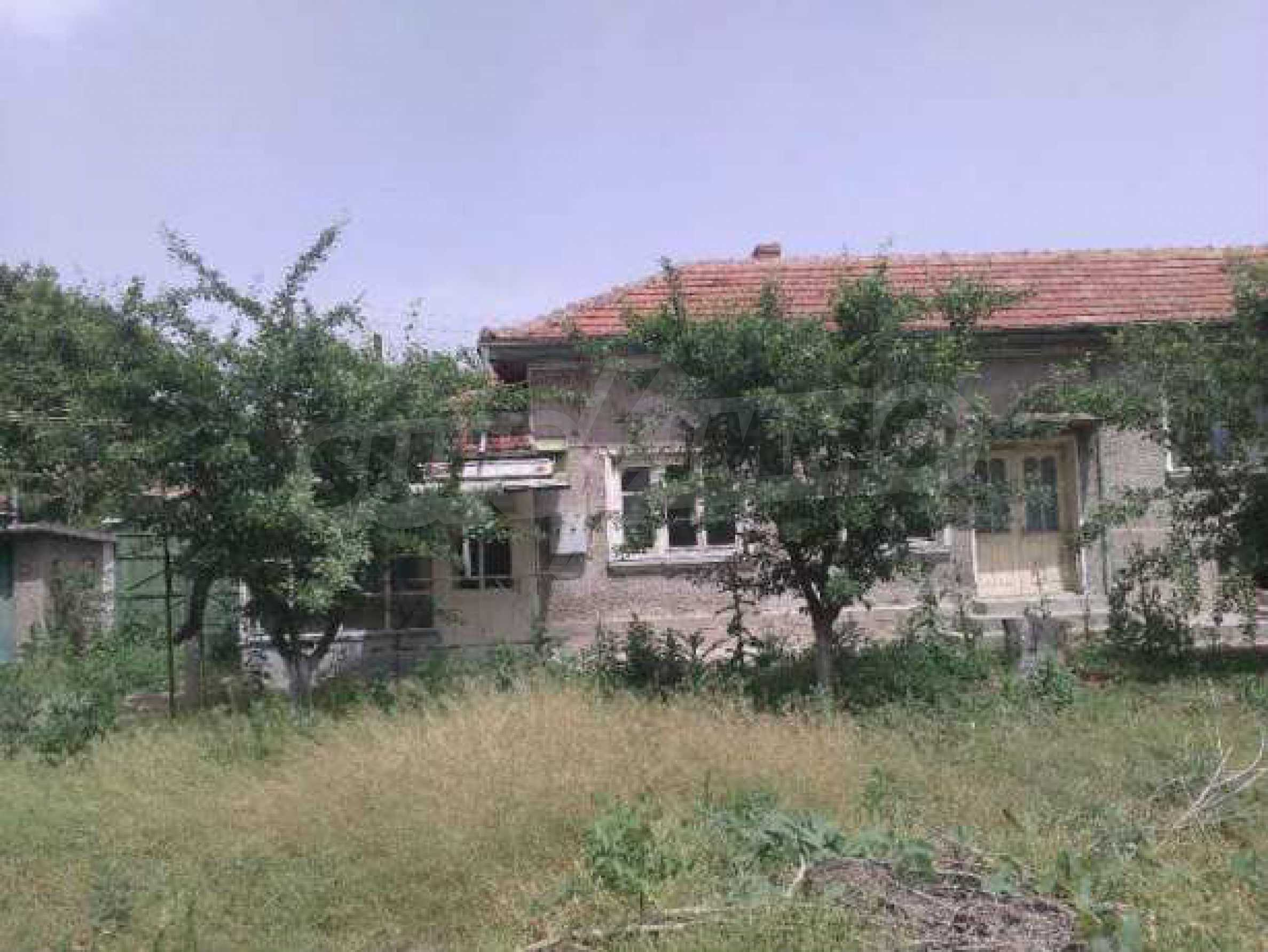 Двуетажна  къща в село на 12 км от Велико Търново 4