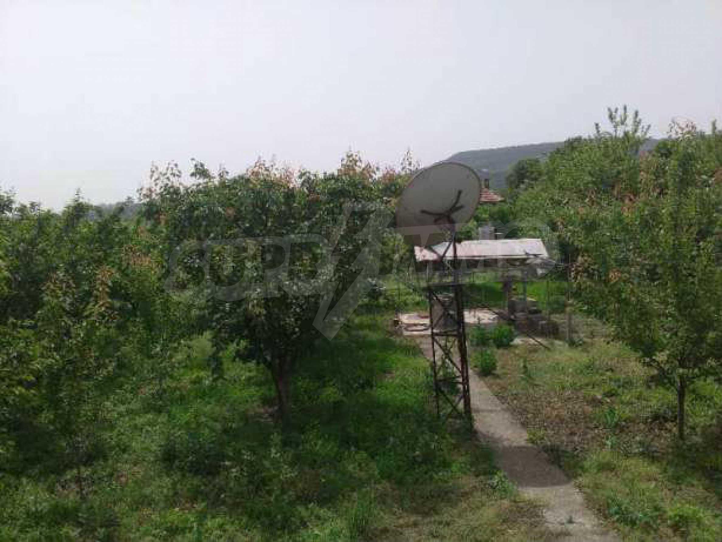 Двуетажна  къща в село на 12 км от Велико Търново 5
