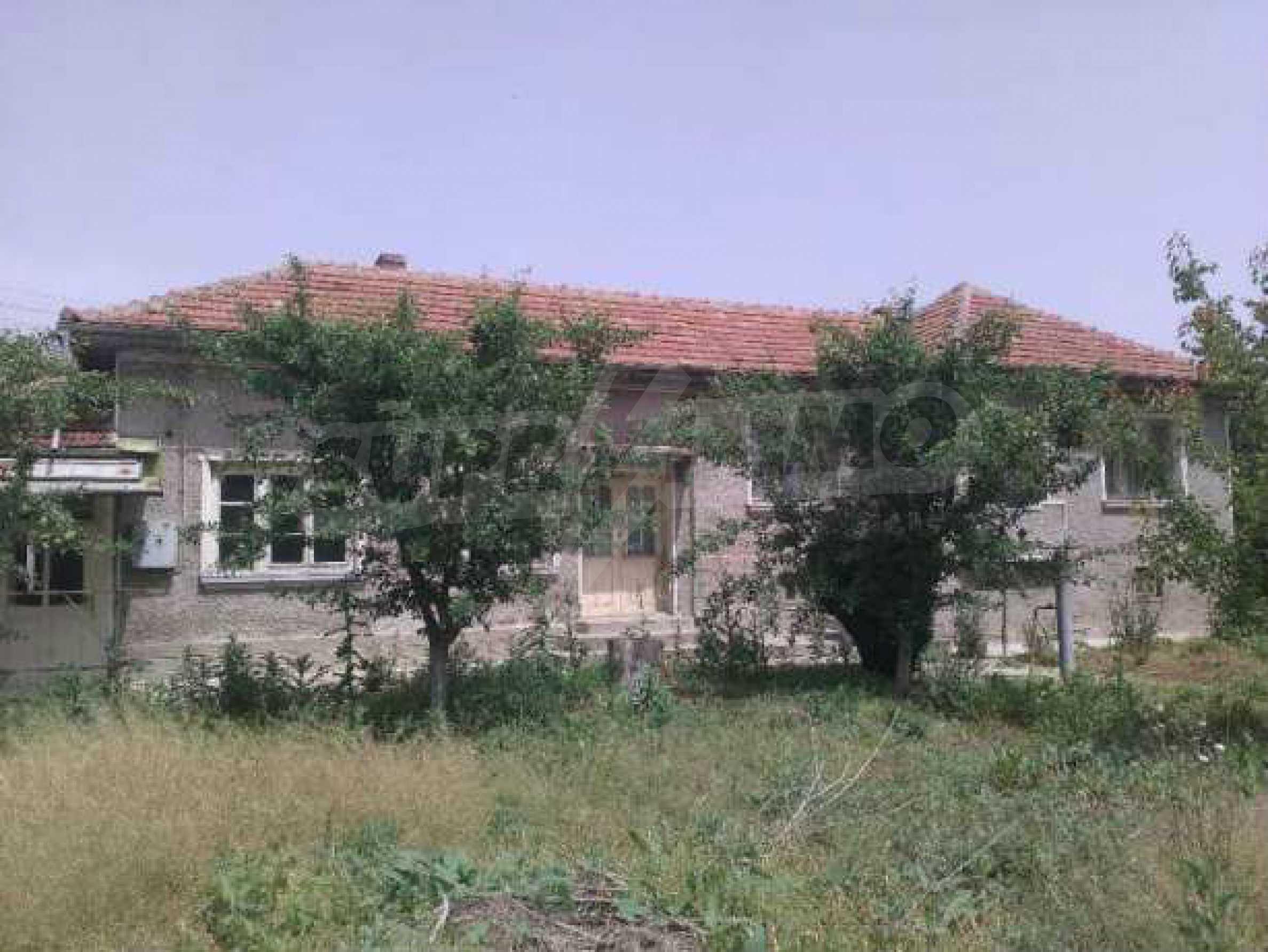Двуетажна  къща в село на 12 км от Велико Търново 6
