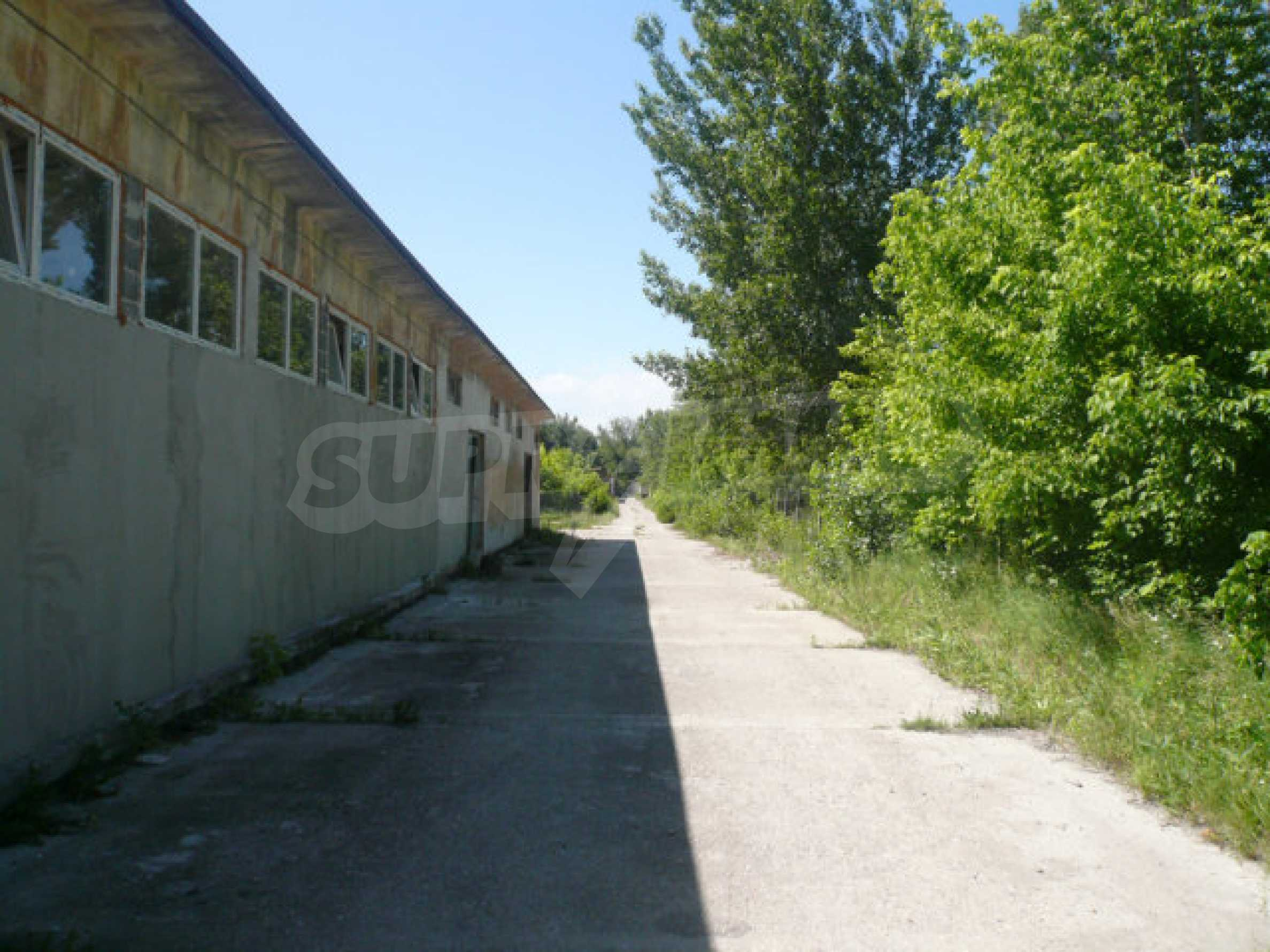 Large plot of development land in the industrial zone 1