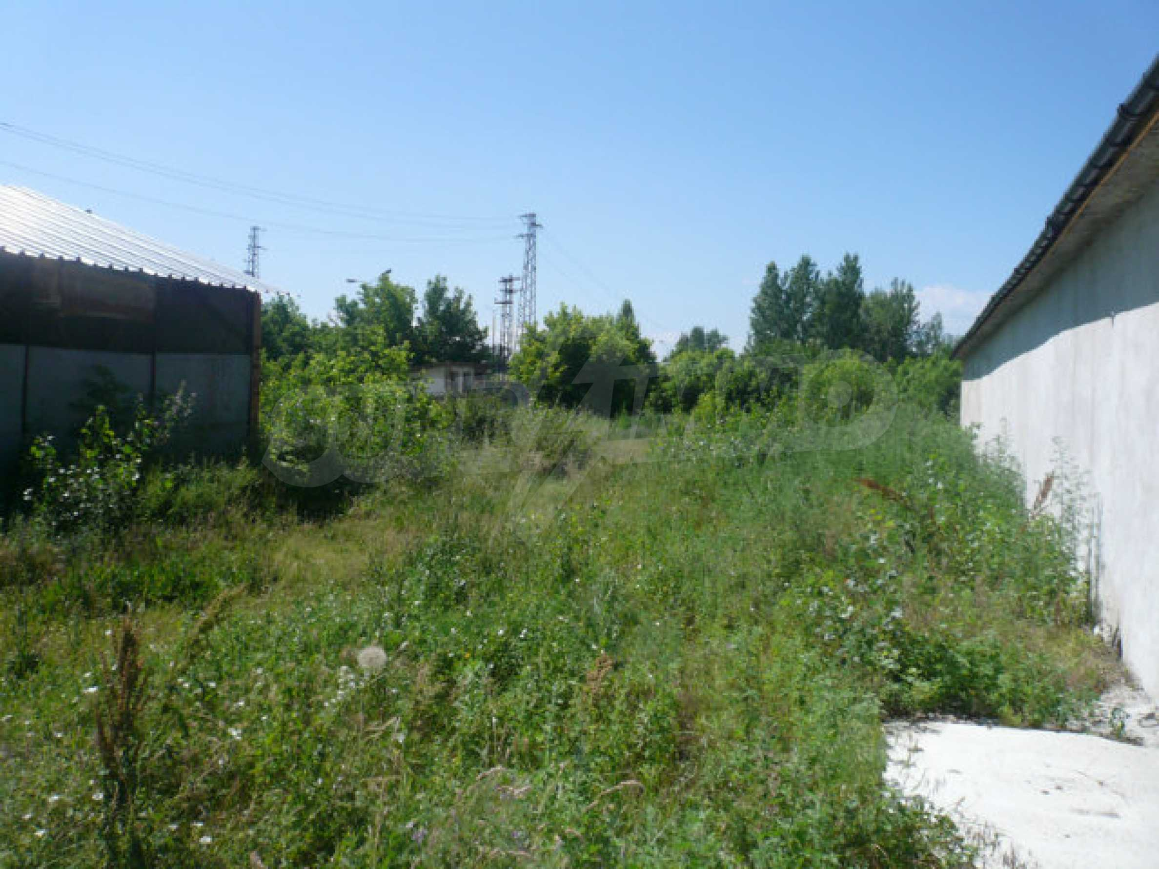 Large plot of development land in the industrial zone 4
