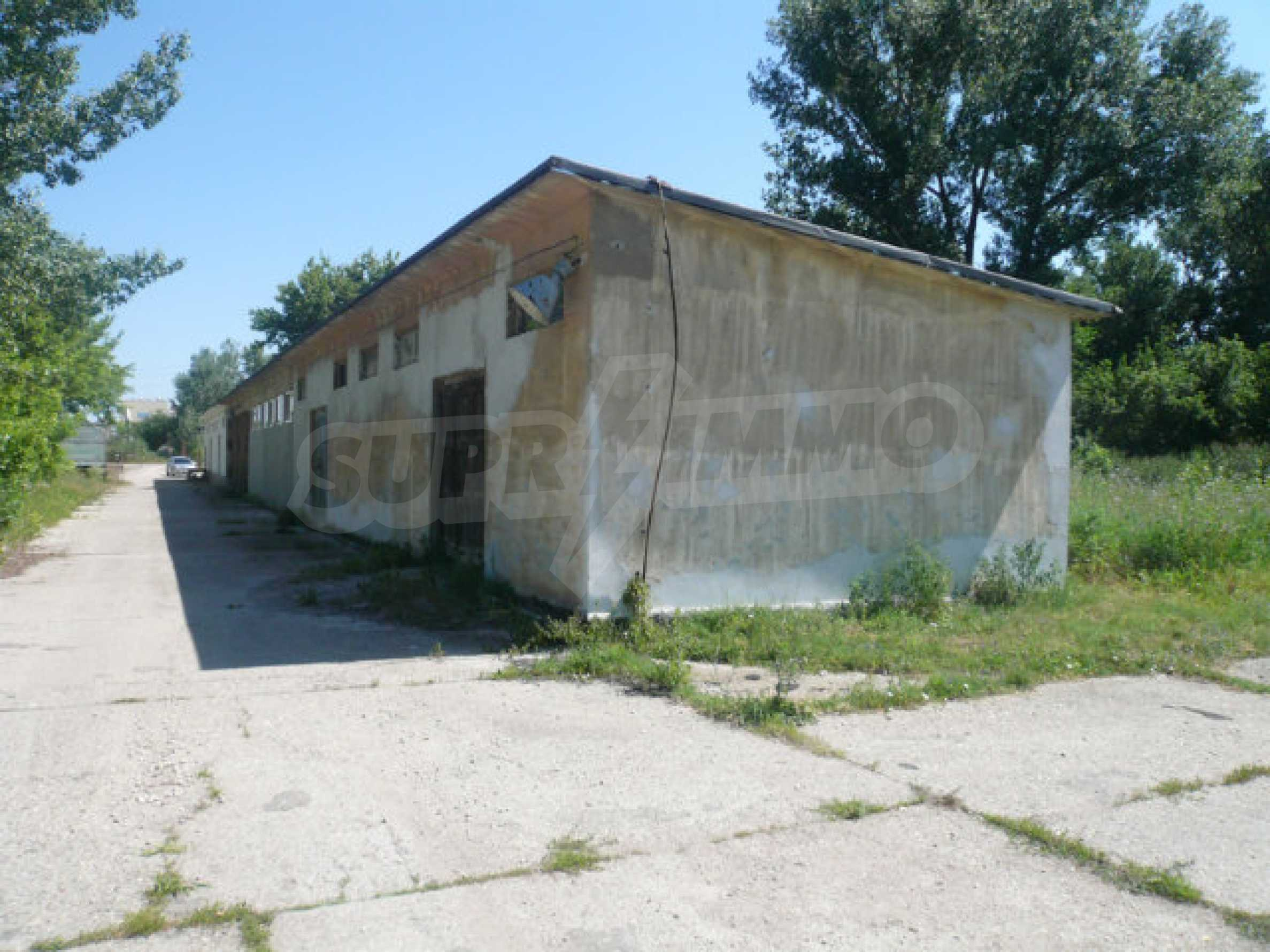 Large plot of development land in the industrial zone 5