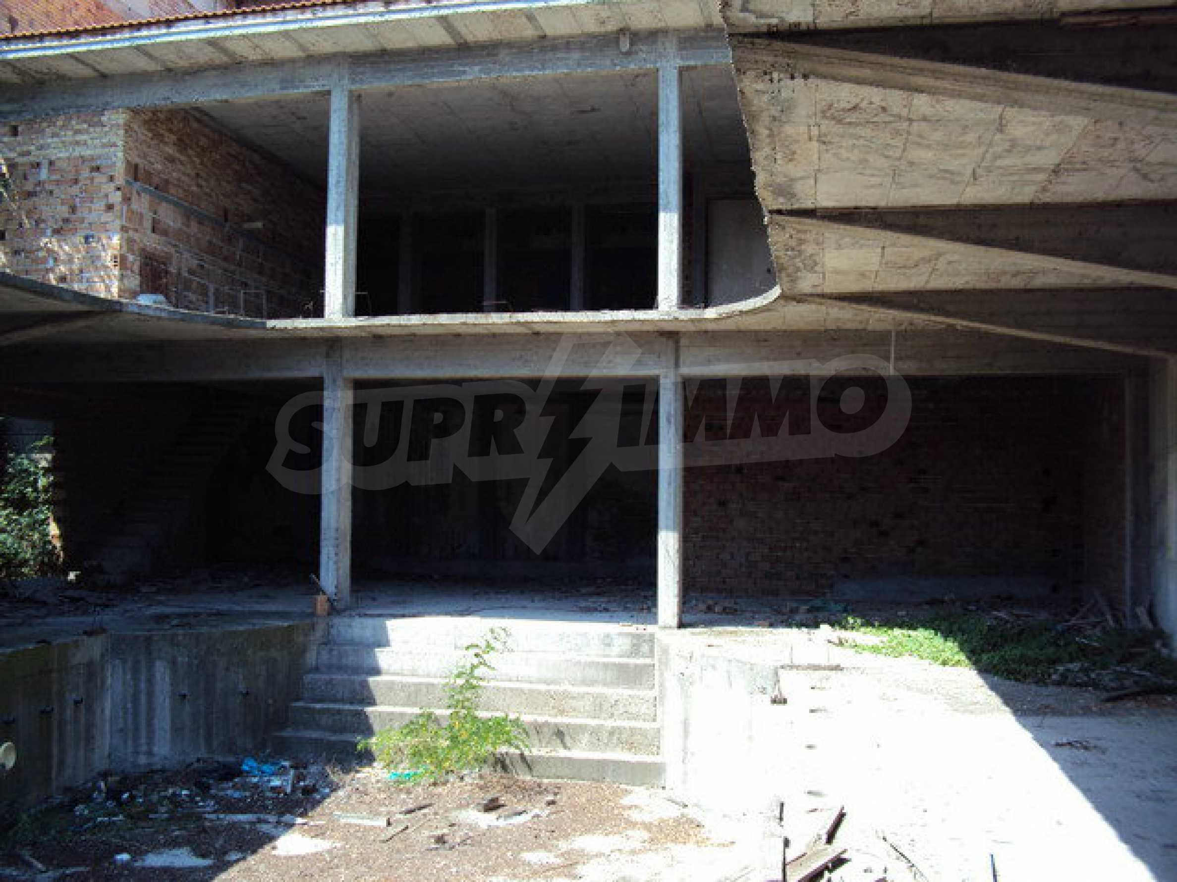Raues Bauhotel mit herrlicher Aussicht in der Nähe von Veliko Tarnovo 19