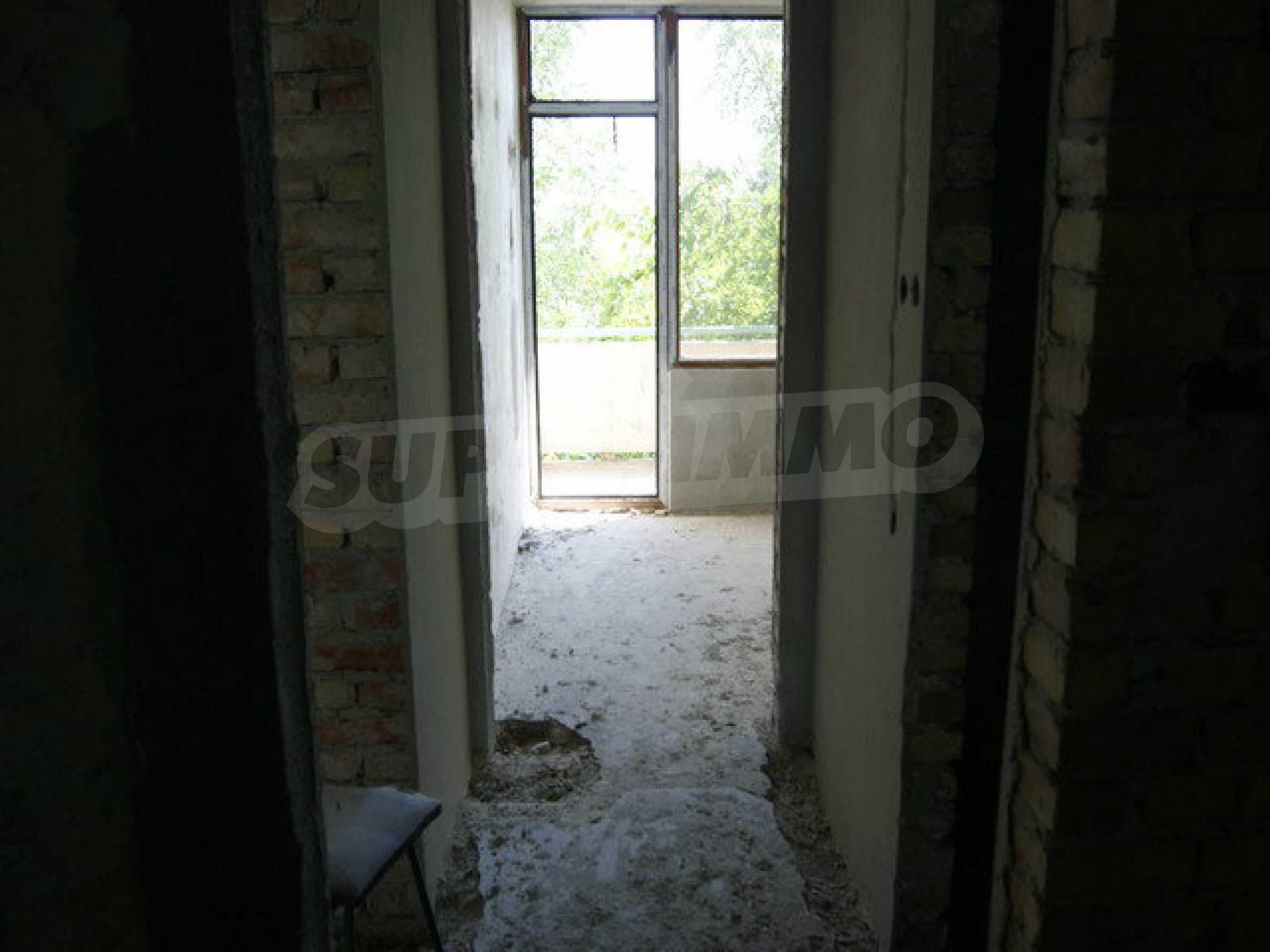 Raues Bauhotel mit herrlicher Aussicht in der Nähe von Veliko Tarnovo 7