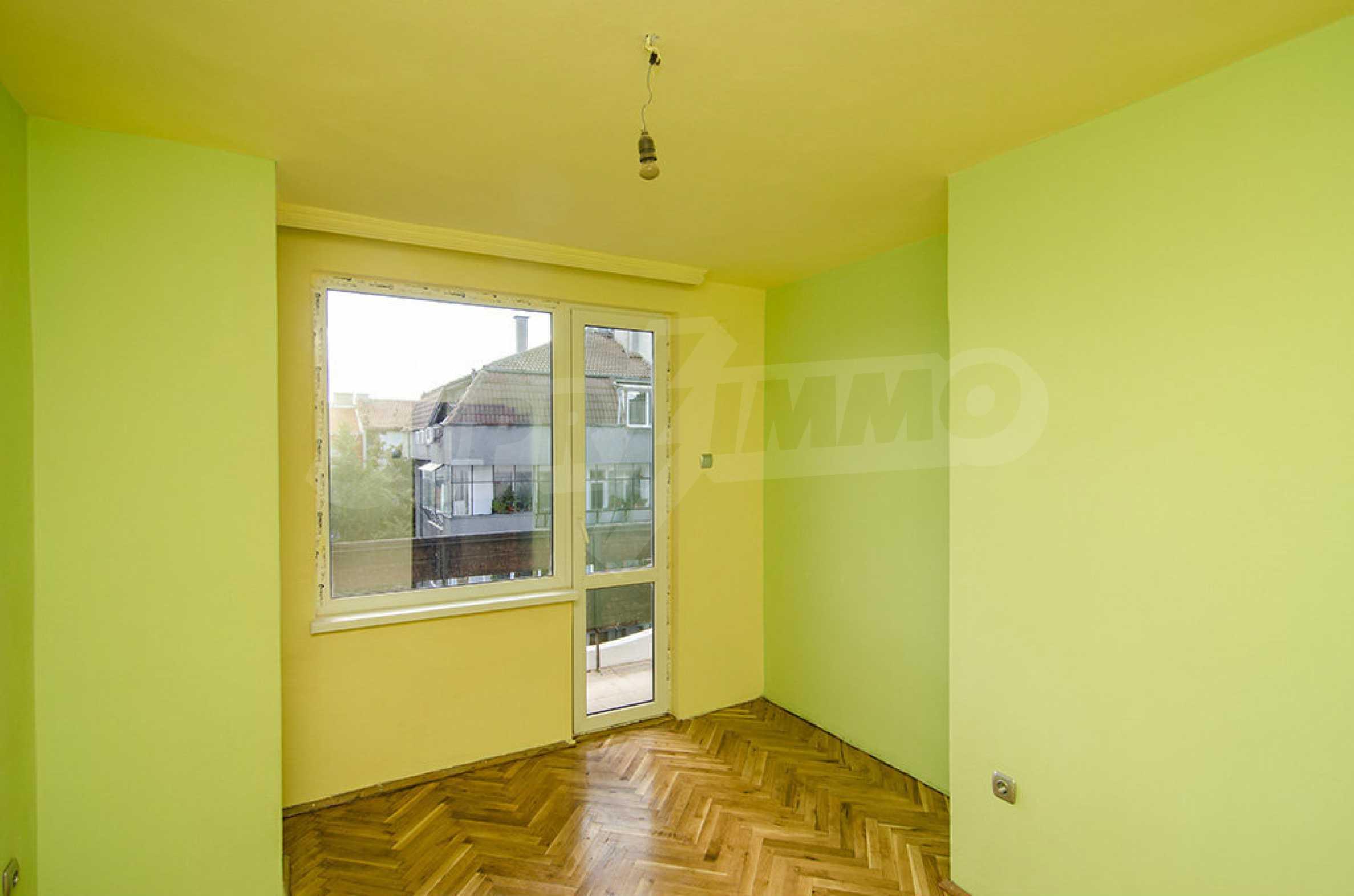 Отличен апартамент в топ център с гледка към Катедралата 5