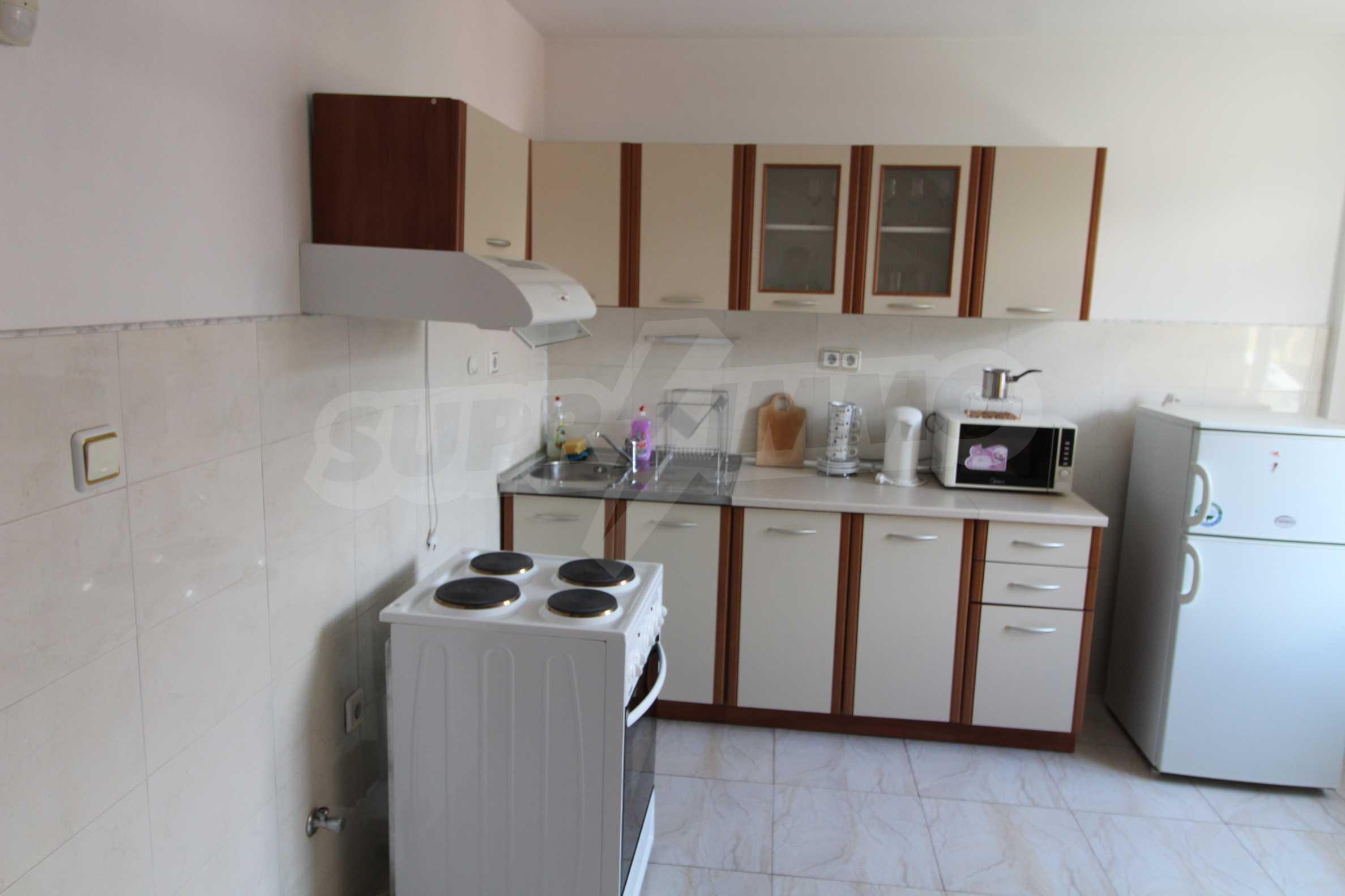 Двустаен апартамент в Банско 4